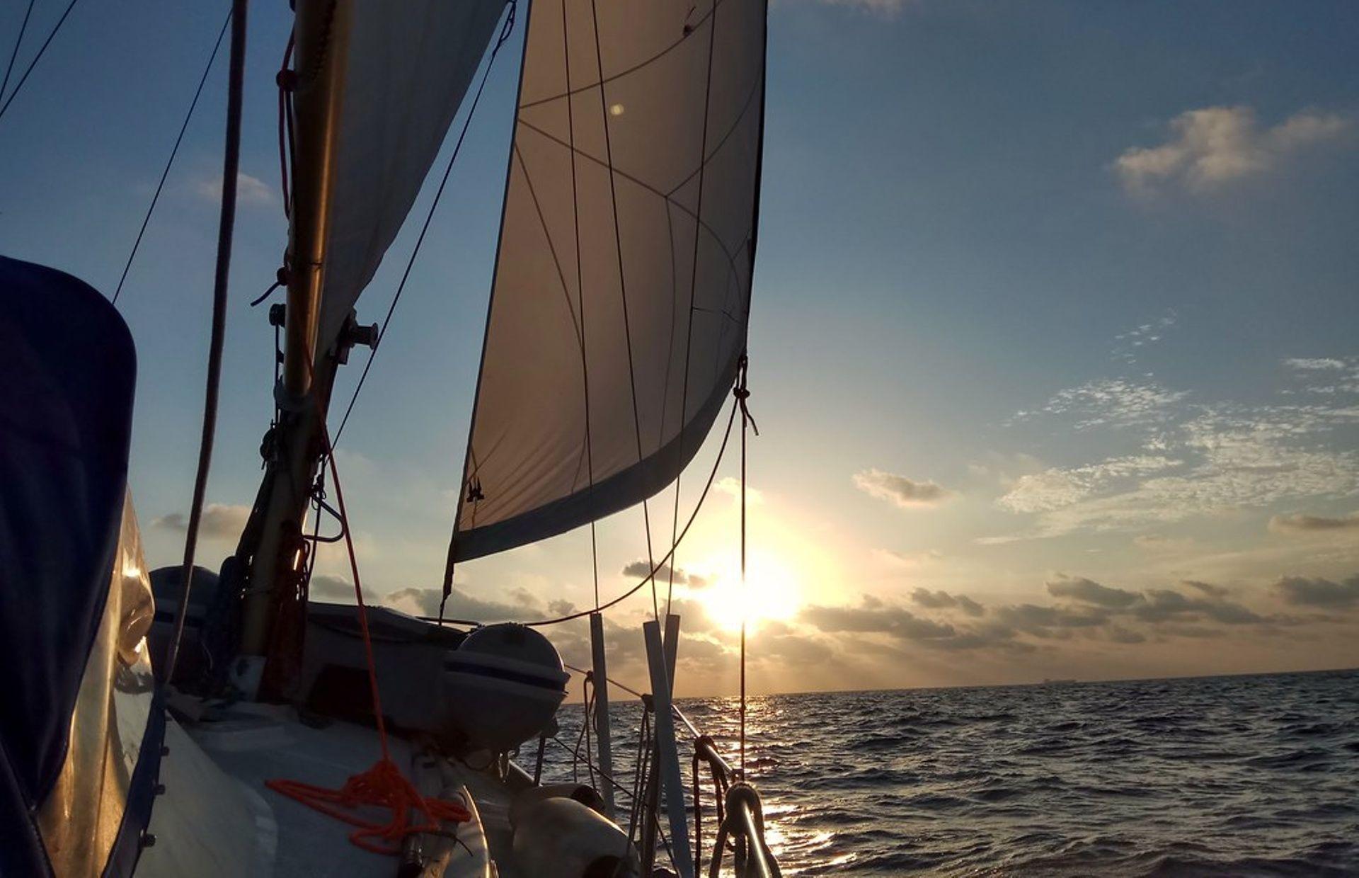 https://media.insailing.com/boat/amiga/image_1570997104906.jpg