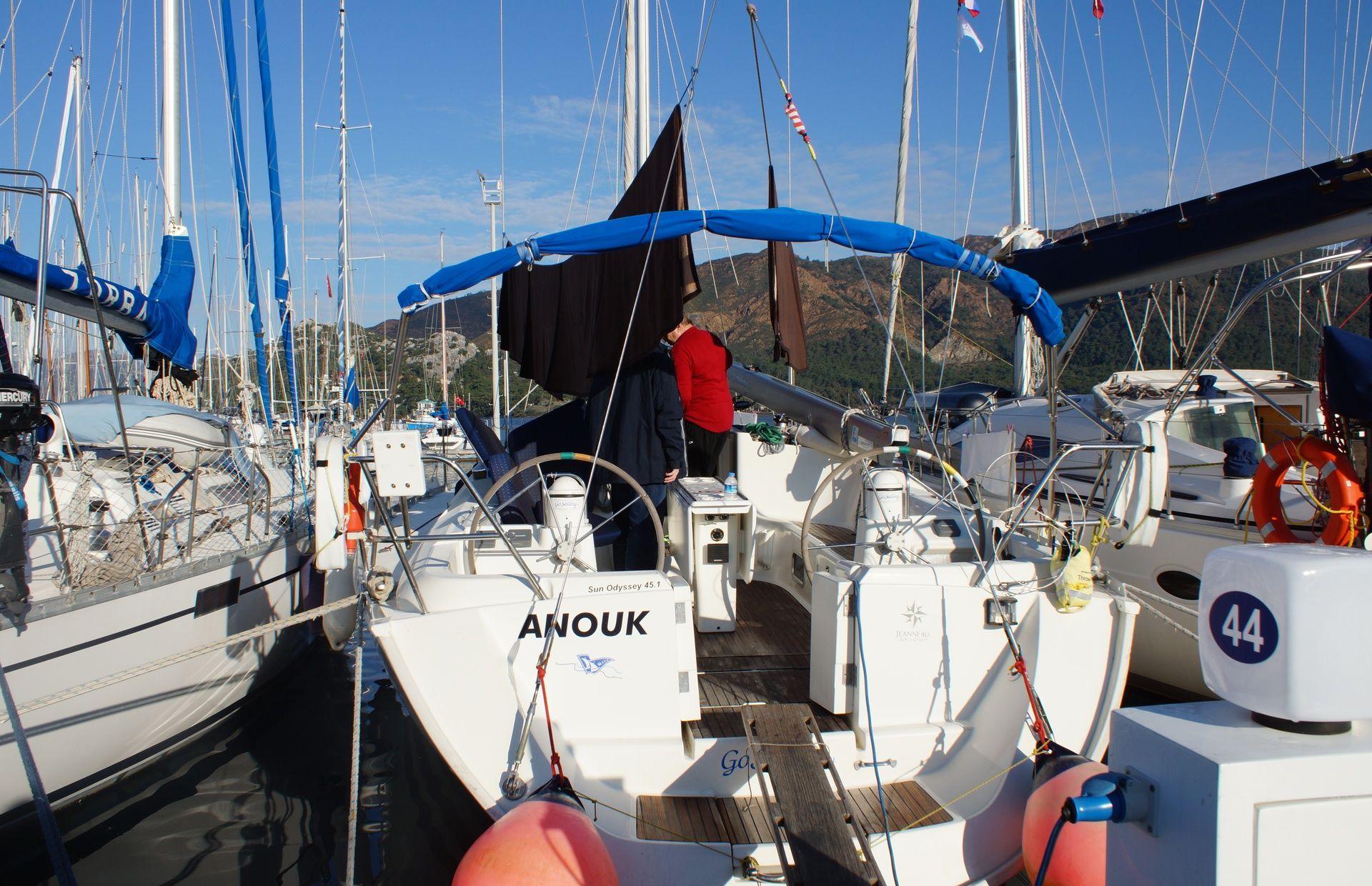 https://media.insailing.com/boat/anouk/image_1589534357030.jpg