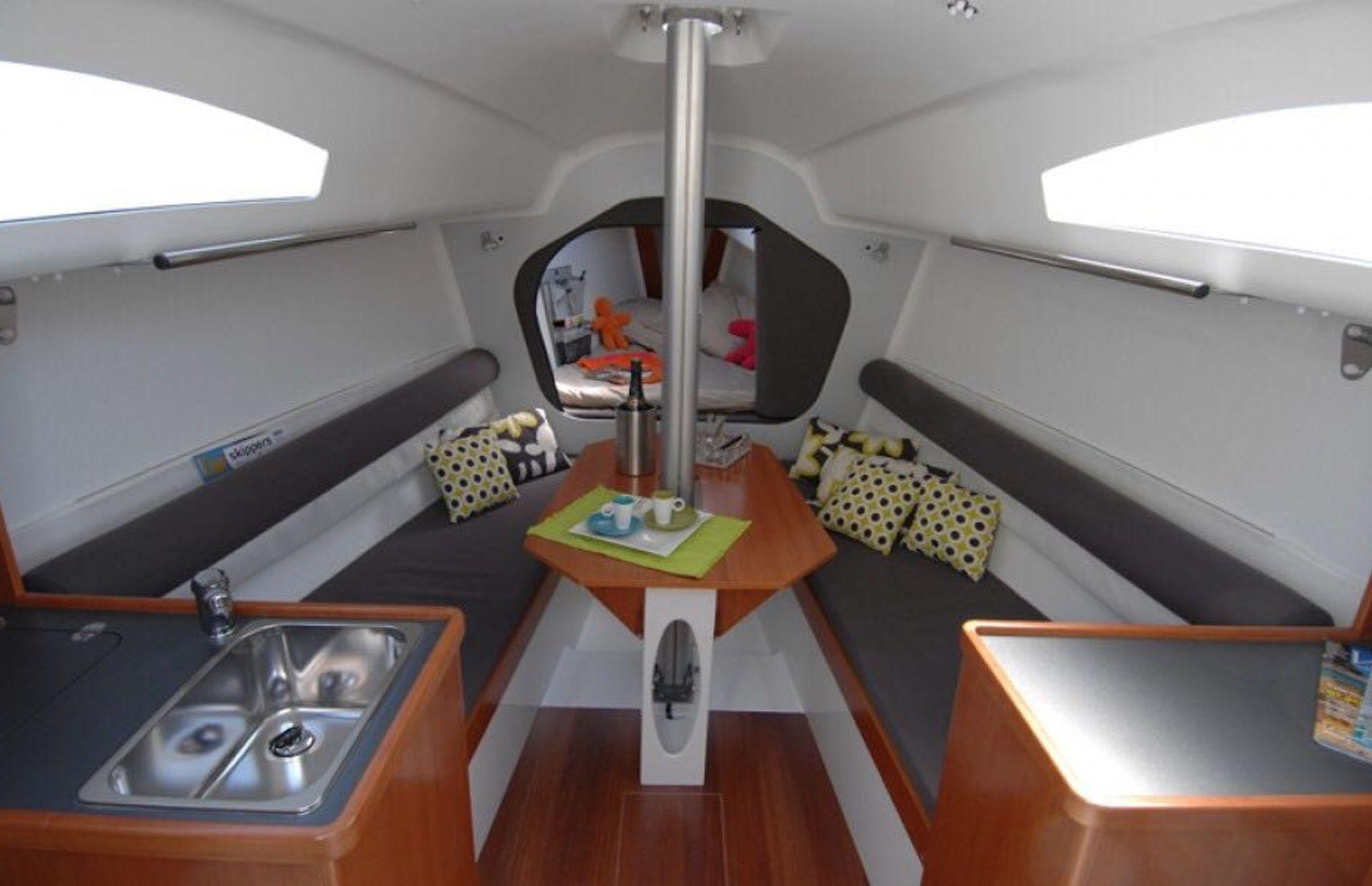 https://media.insailing.com/boat/archambault-2/image_1576516052654.jpg