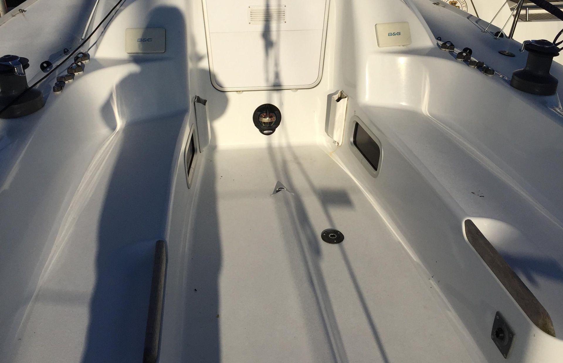 https://media.insailing.com/boat/archambault-35/image_1582534707474.jpg