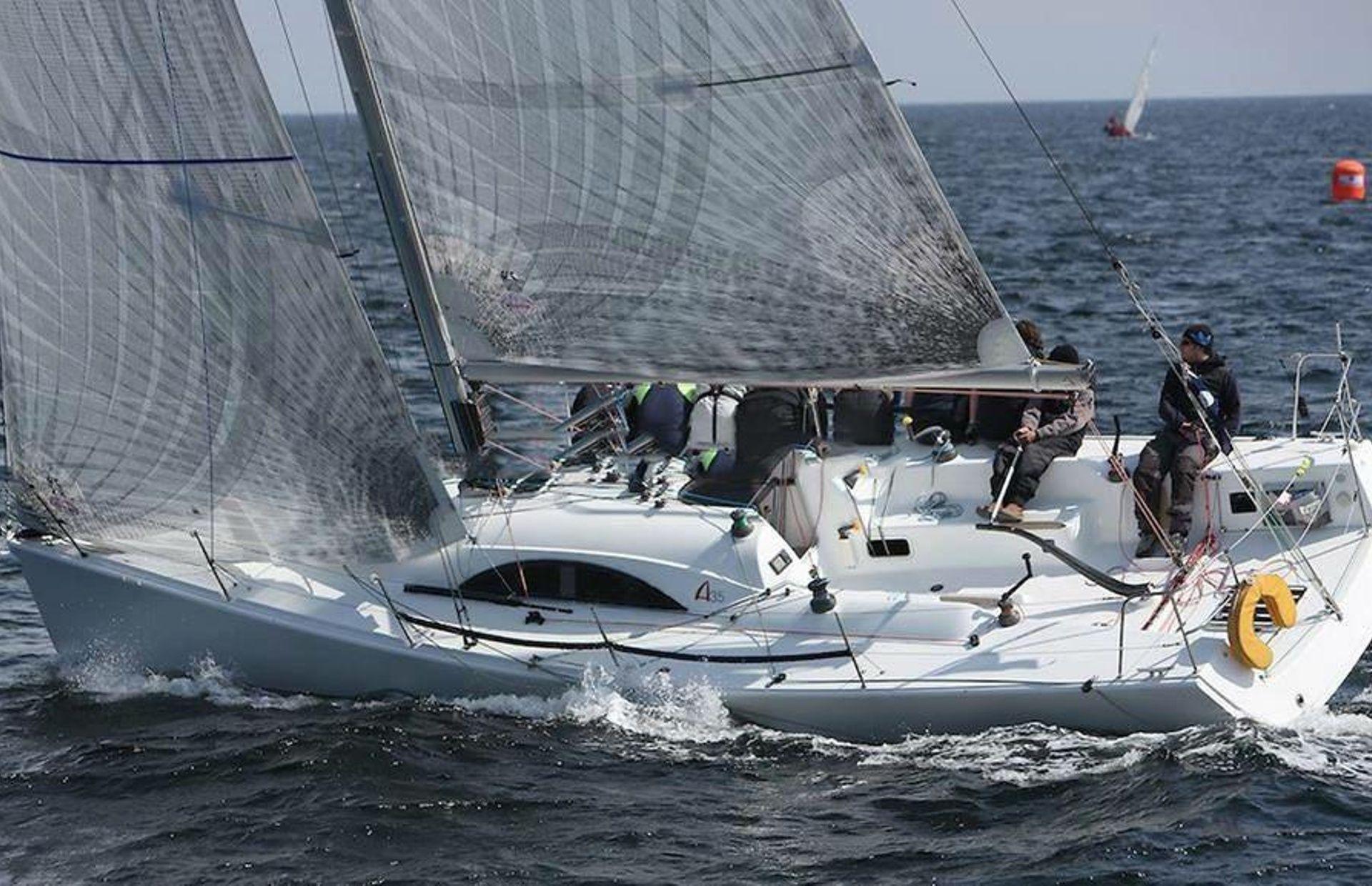 https://media.insailing.com/boat/archambault-35/image_1582534707476.jpg