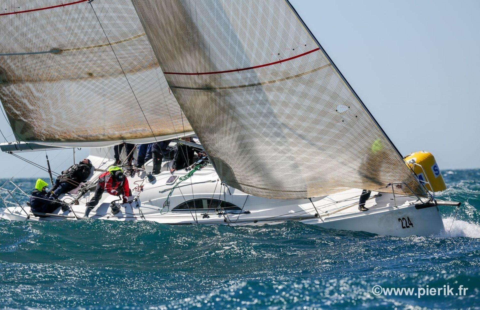 https://media.insailing.com/boat/archambault/image_1568380759718.jpg