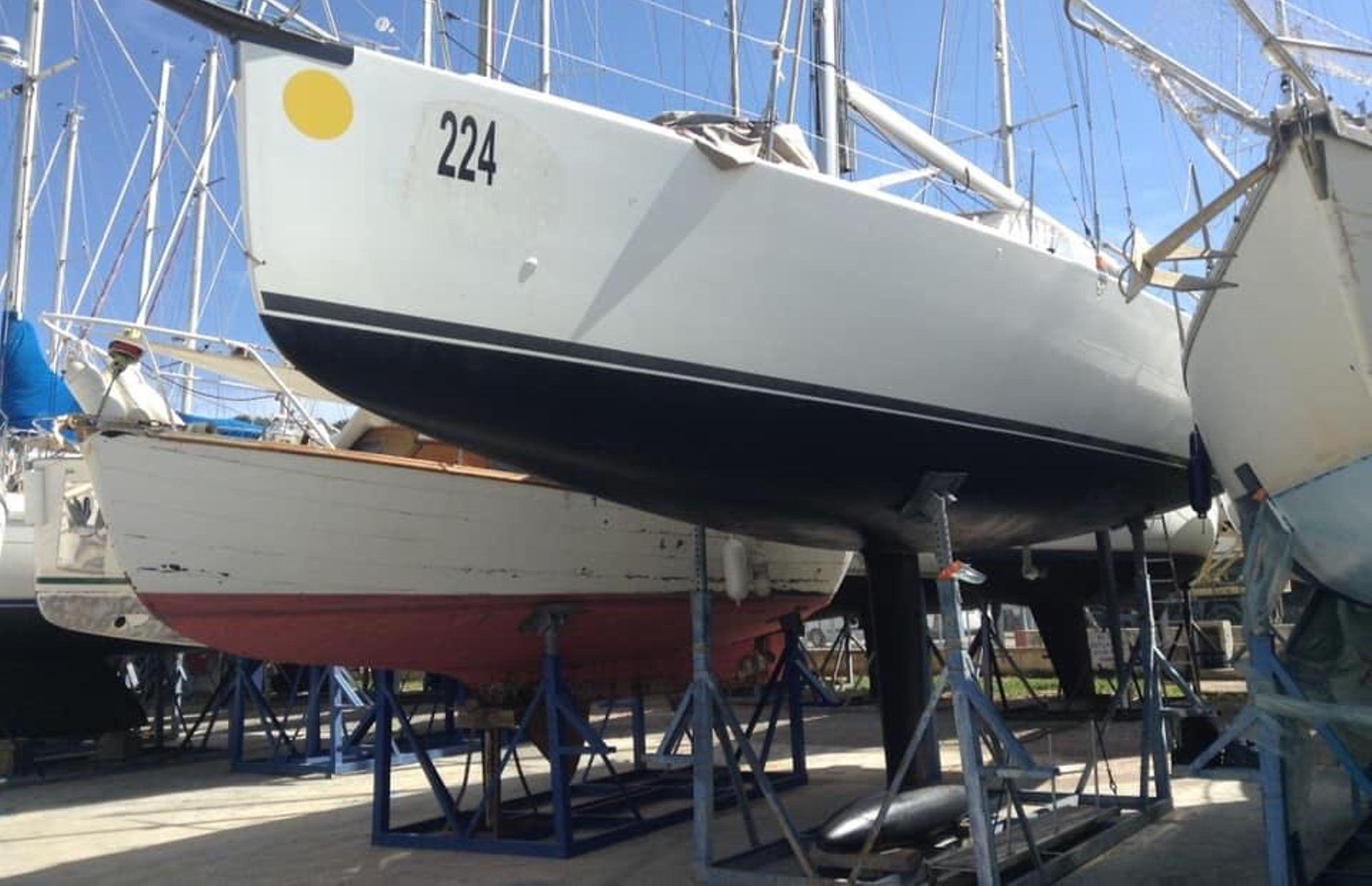 https://media.insailing.com/boat/archambault/image_1568380759732.jpg