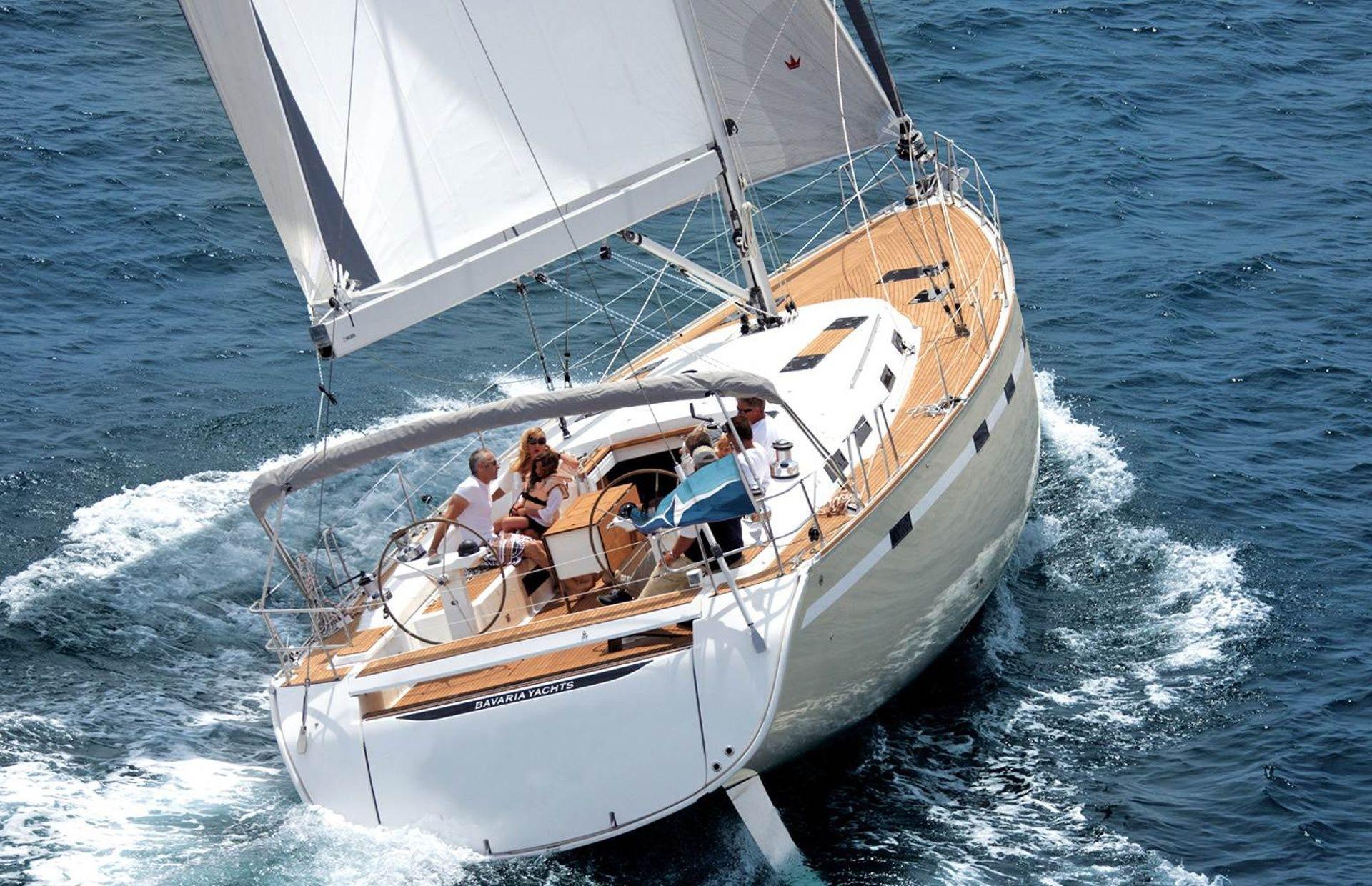 https://media.insailing.com/boat/bavaria-45/image_1564475539300.jpg