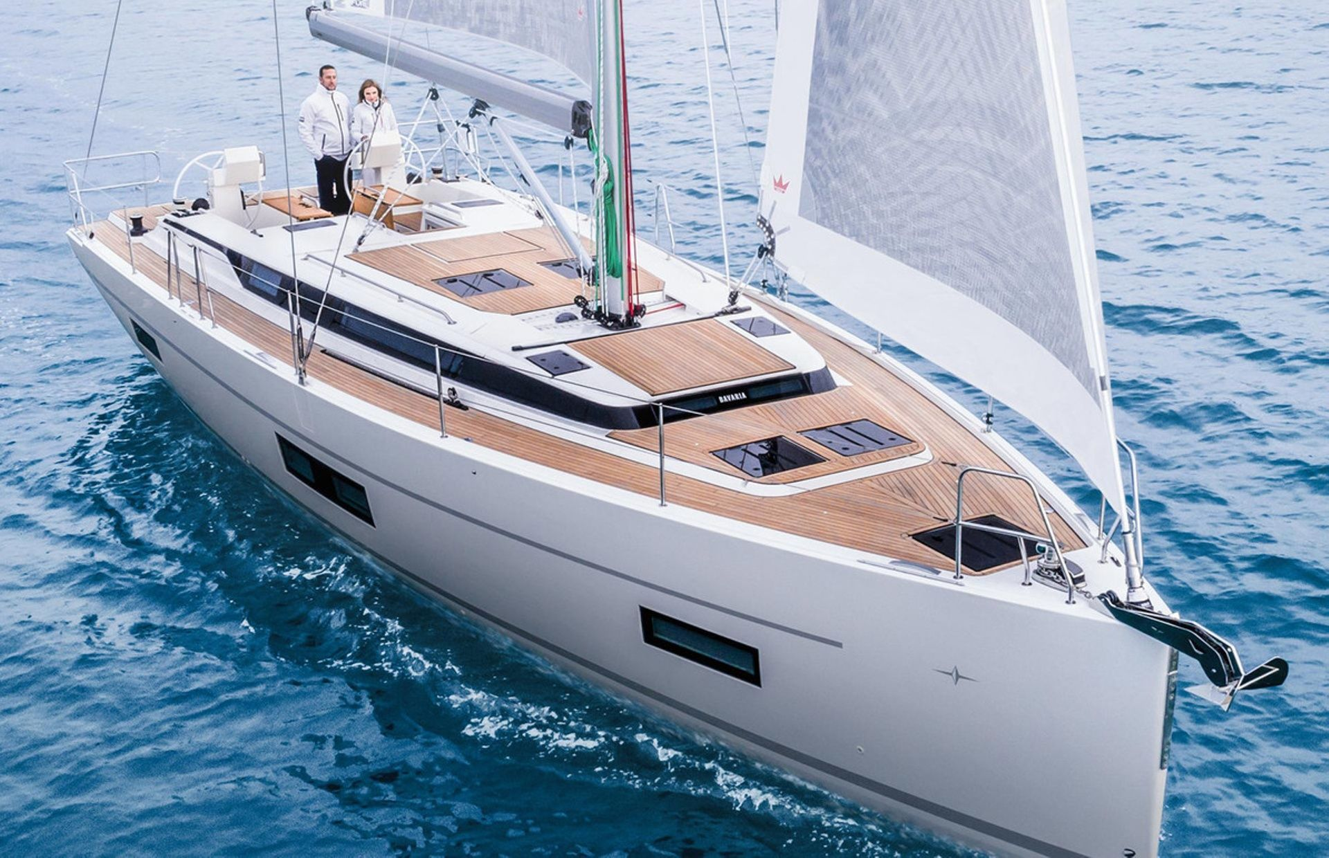https://media.insailing.com/boat/bavaria-45/image_1564475539301.jpg