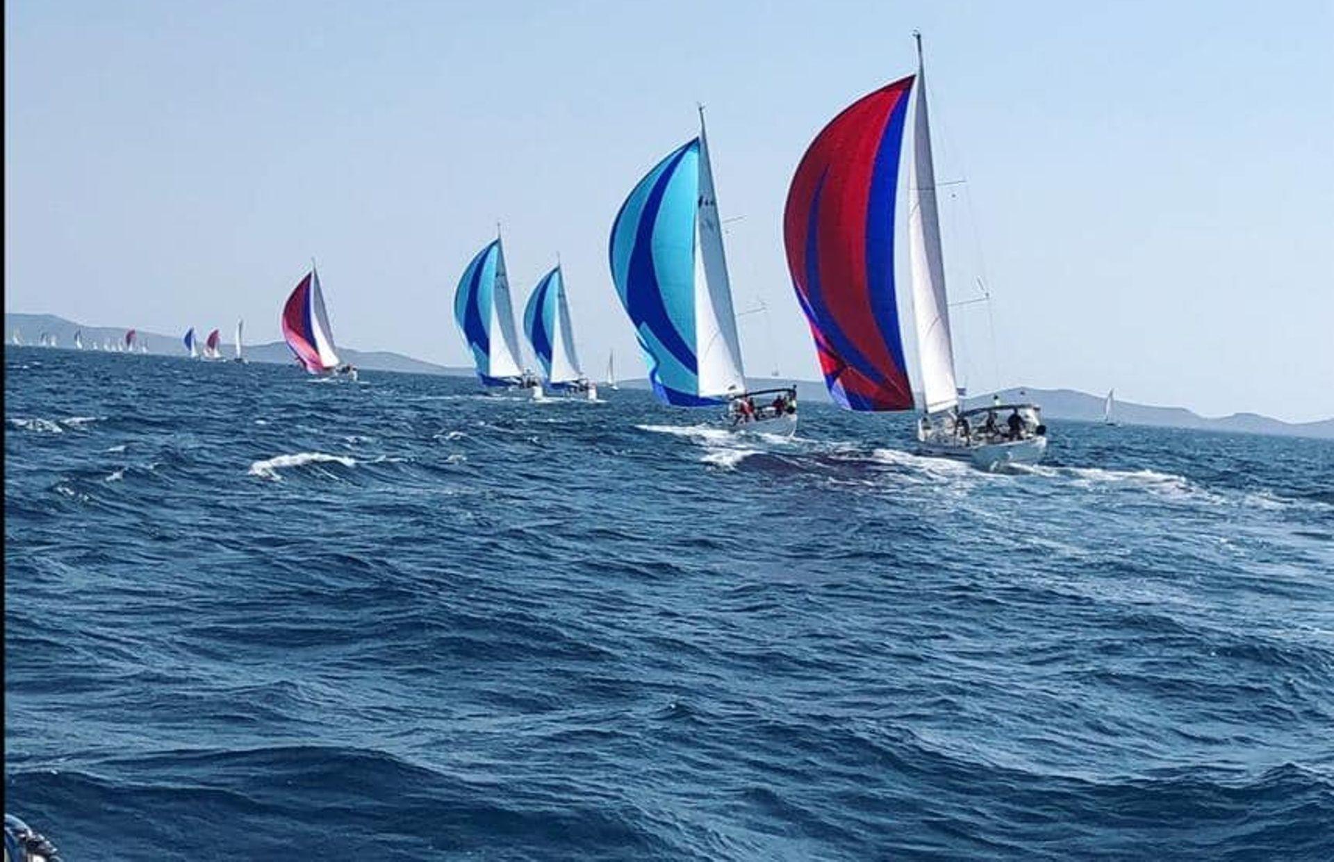 https://media.insailing.com/boat/bavaria-46-4/image_1581493347992.jpg