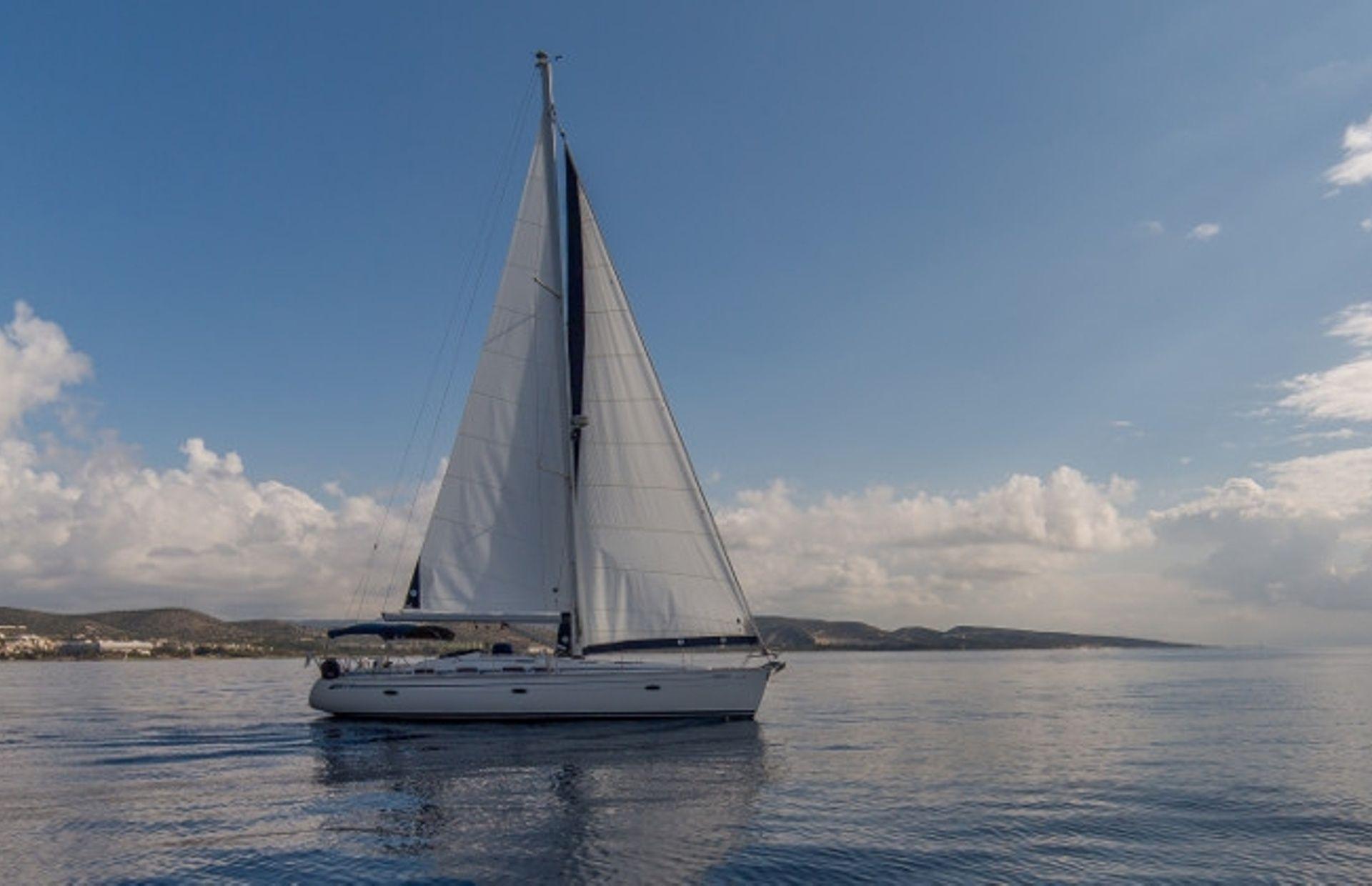 https://media.insailing.com/boat/bavaria-47/image_1570604139650.jpg