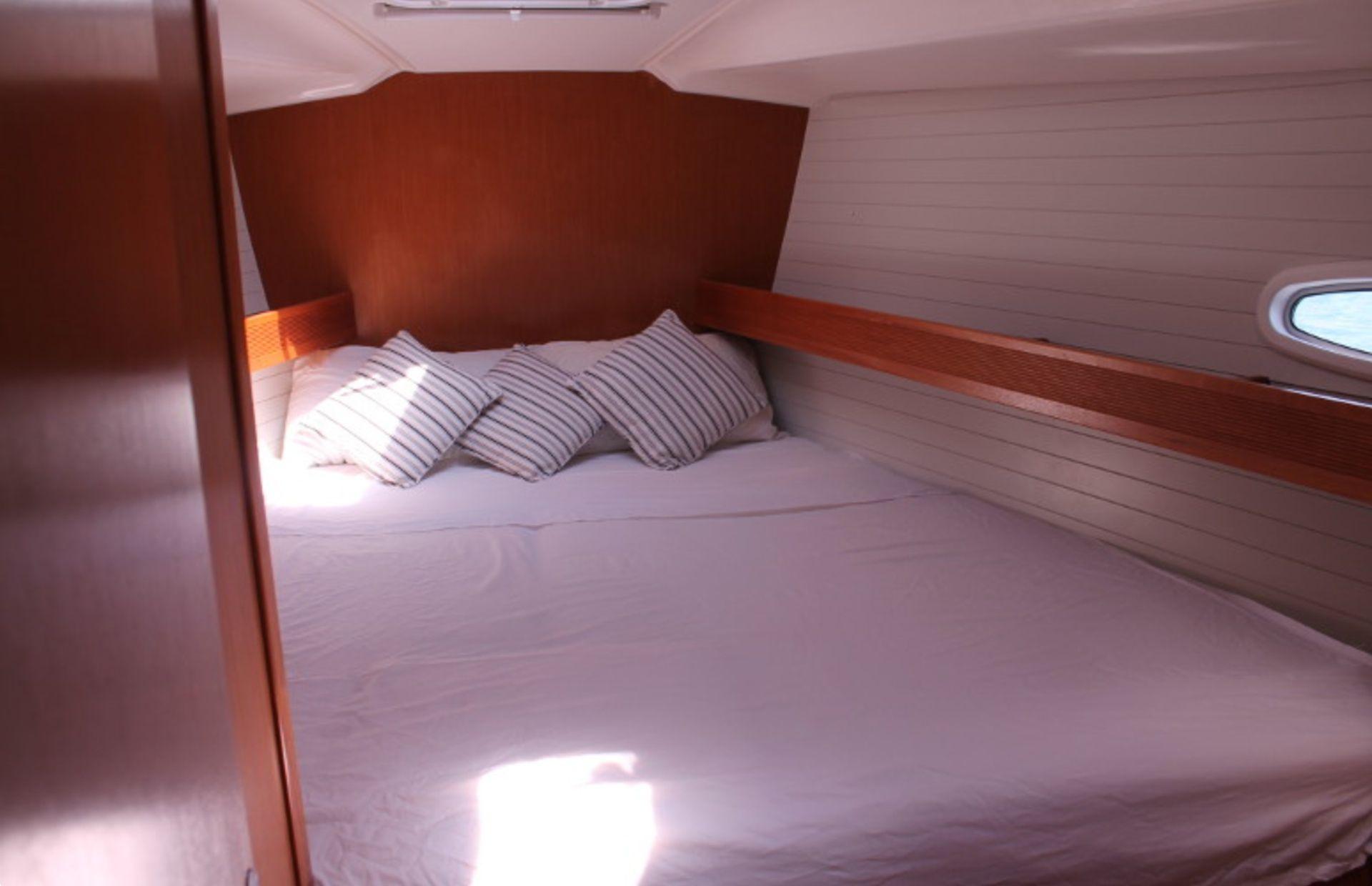https://media.insailing.com/boat/bavaria-47/image_1570604139651.jpg