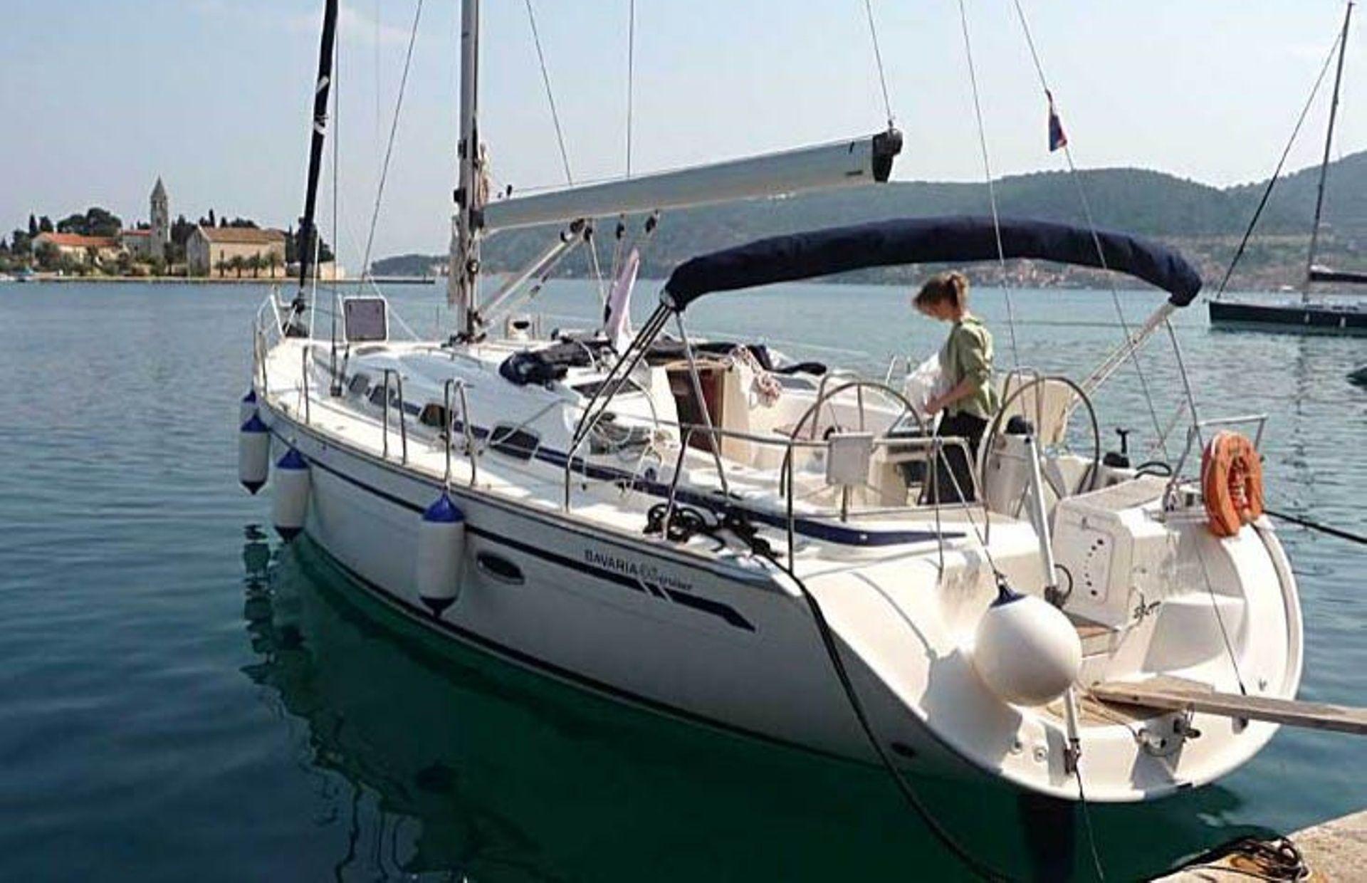 https://media.insailing.com/boat/bavaria-52/image_1565164405349.jpg