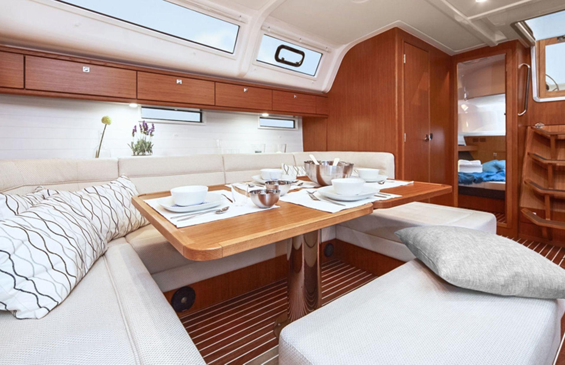 https://media.insailing.com/boat/bavaria-56/image_1582219302497.jpg