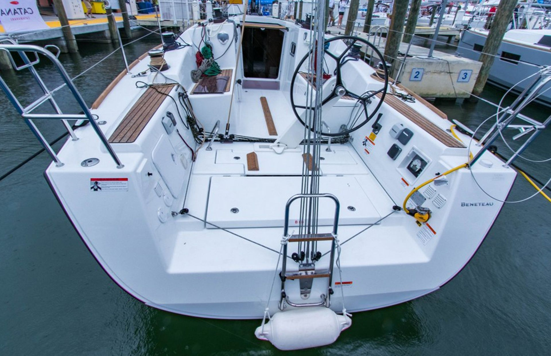 https://media.insailing.com/boat/beneteau-3/image_1567410732374.jpg
