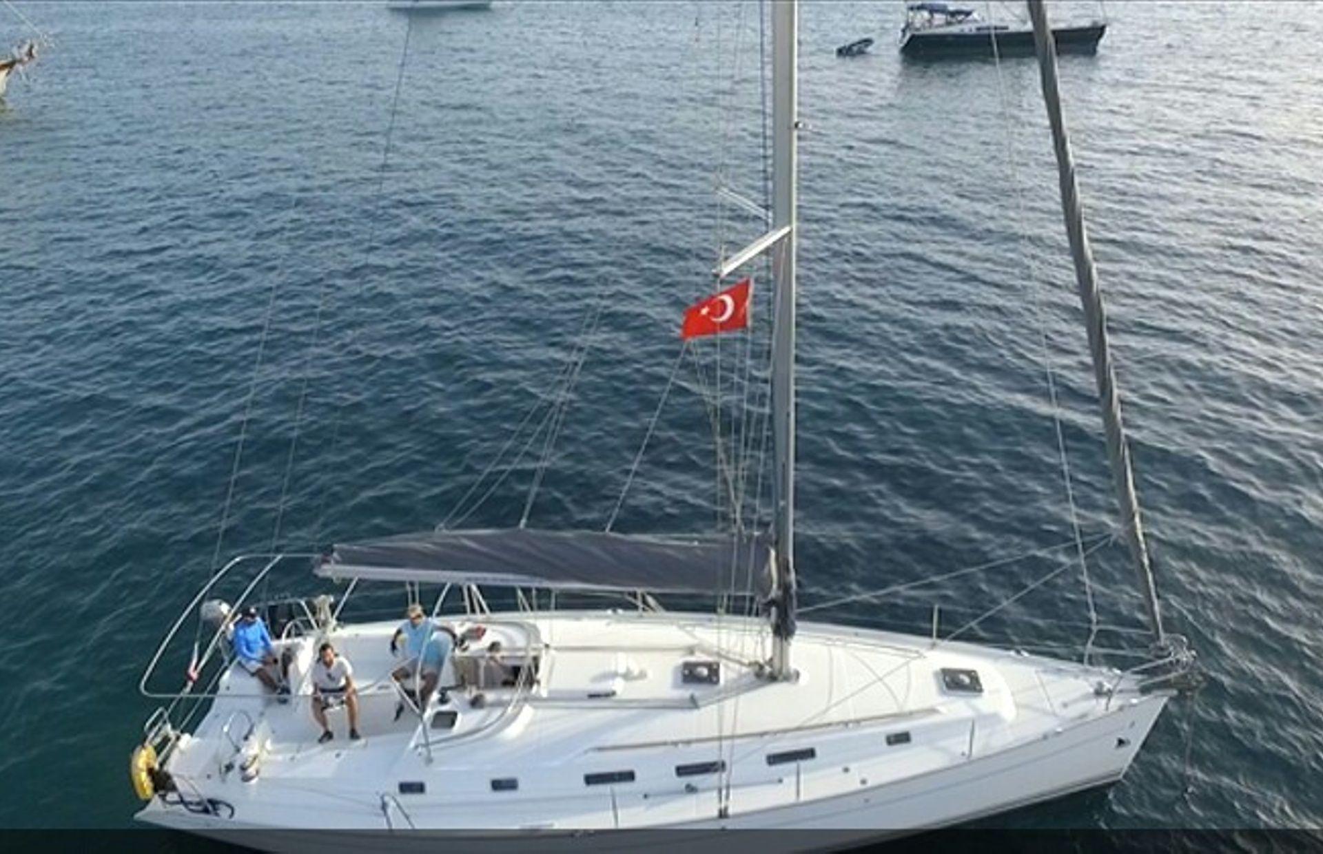 https://media.insailing.com/boat/beneteau-4/image_1569996524353.jpg