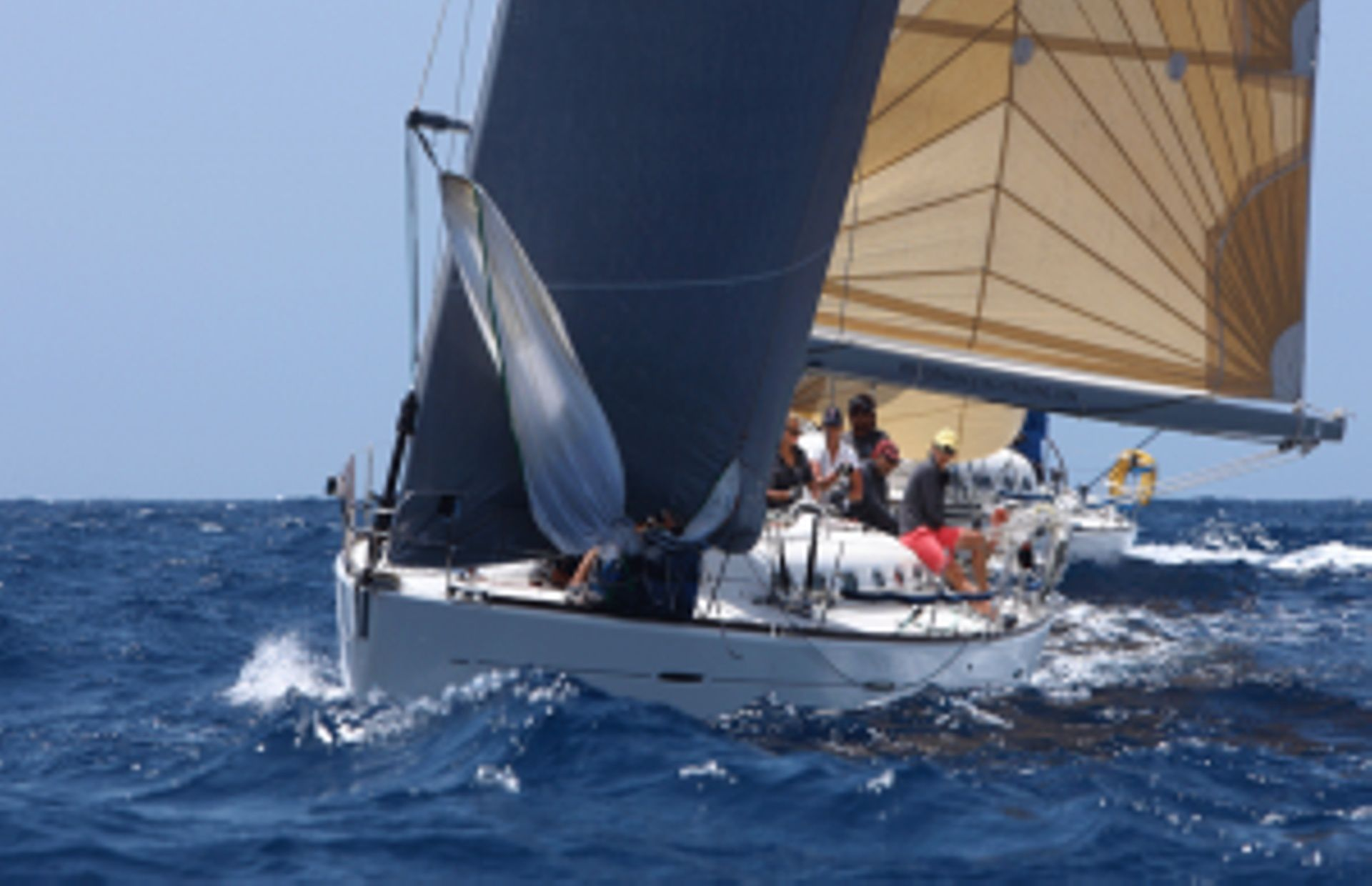 https://media.insailing.com/boat/beneteau-first-477---eh01/image_1594988072462.jpg
