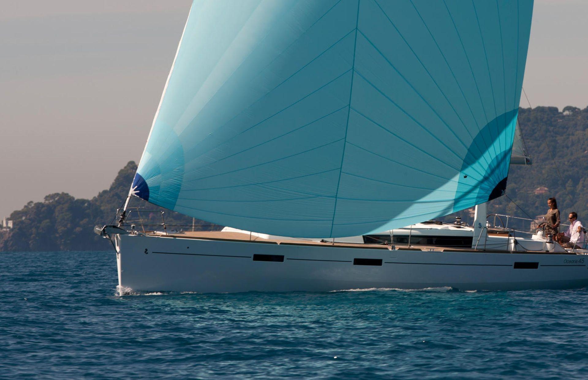 https://media.insailing.com/boat/beneteau-oceanis-45/image_1575446804509.jpg