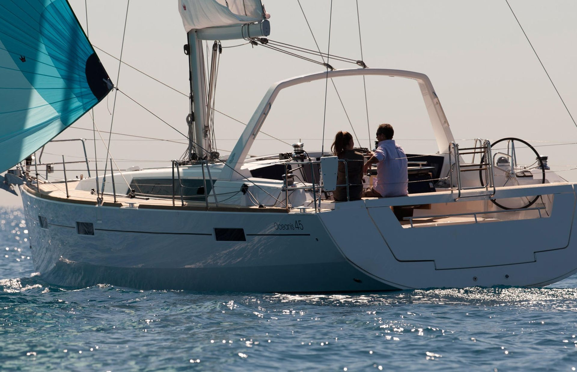 https://media.insailing.com/boat/beneteau-oceanis-45/image_1575446804510.jpg