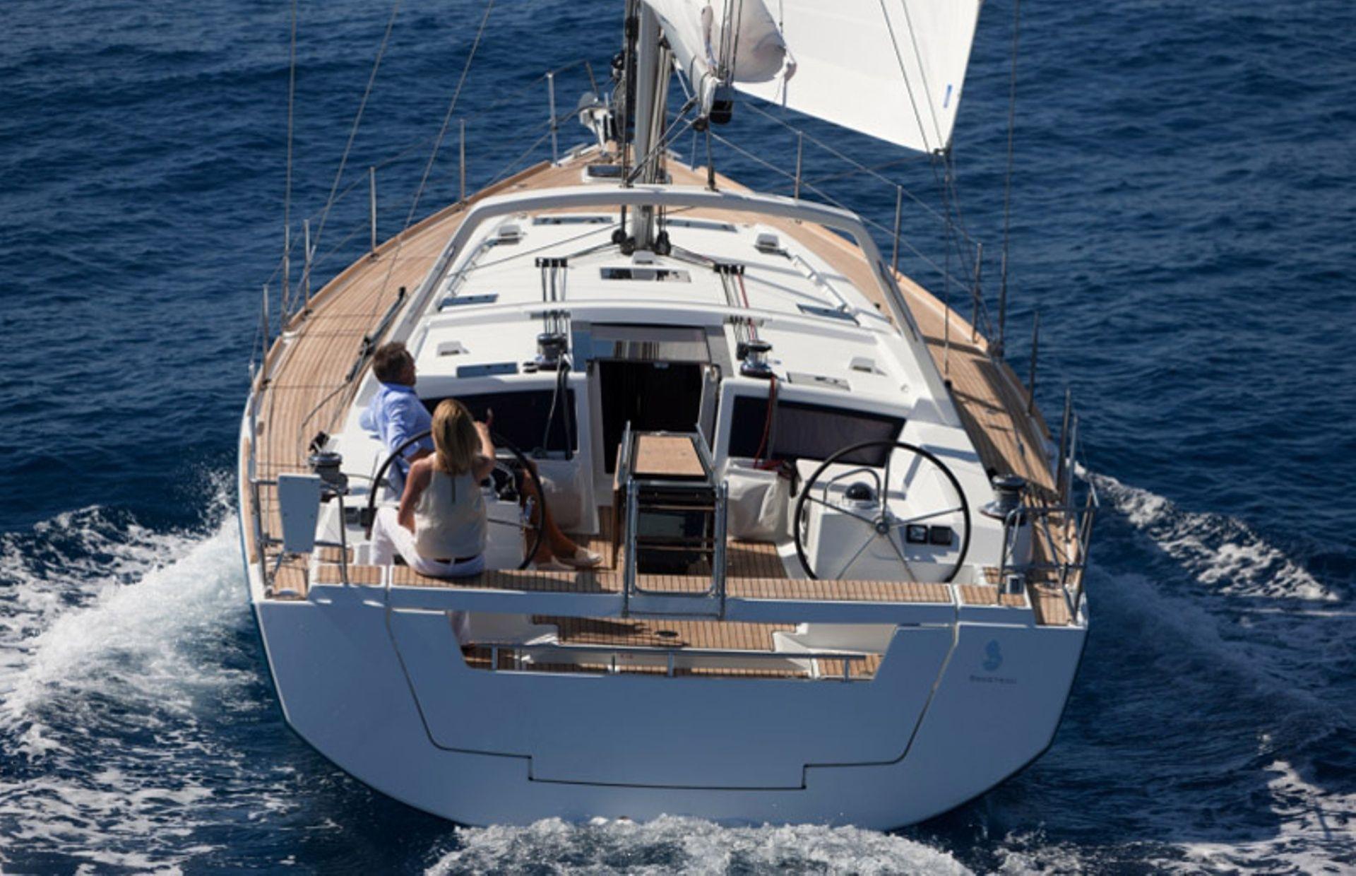 https://media.insailing.com/boat/beneteau-oceanis-48/image_1593697106212.jpg
