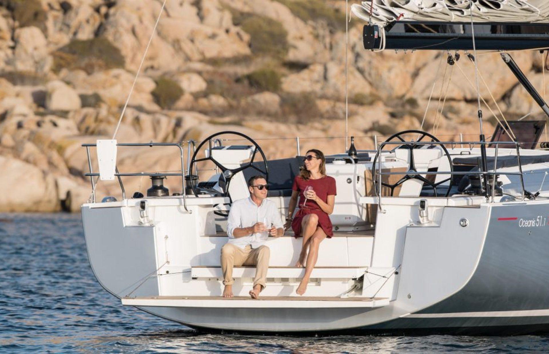 https://media.insailing.com/boat/beneteau-oceanis-51/image_1572277275725.jpg