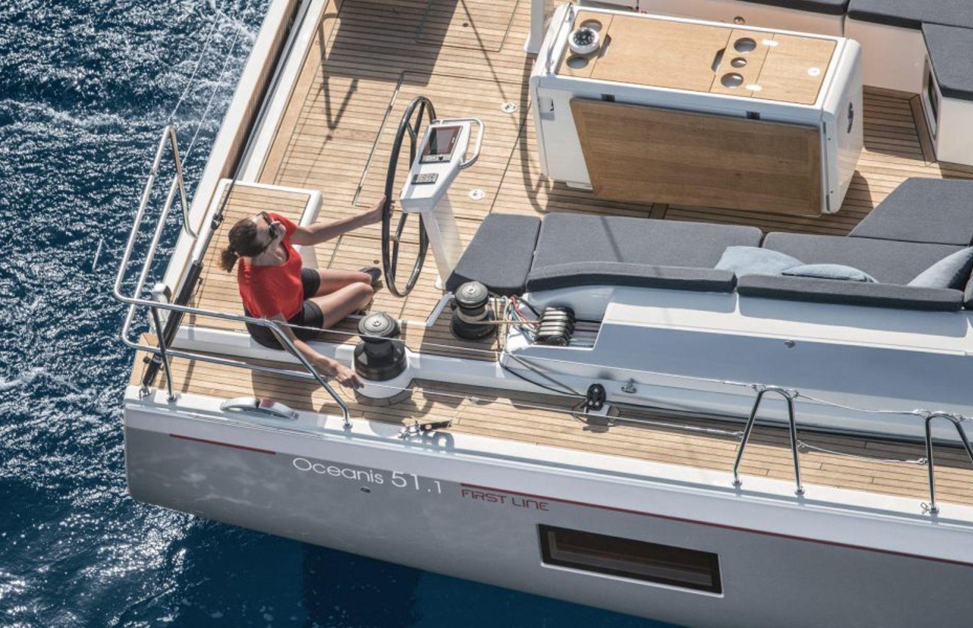 https://media.insailing.com/boat/beneteau-oceanis-51/image_1572277275726.jpg