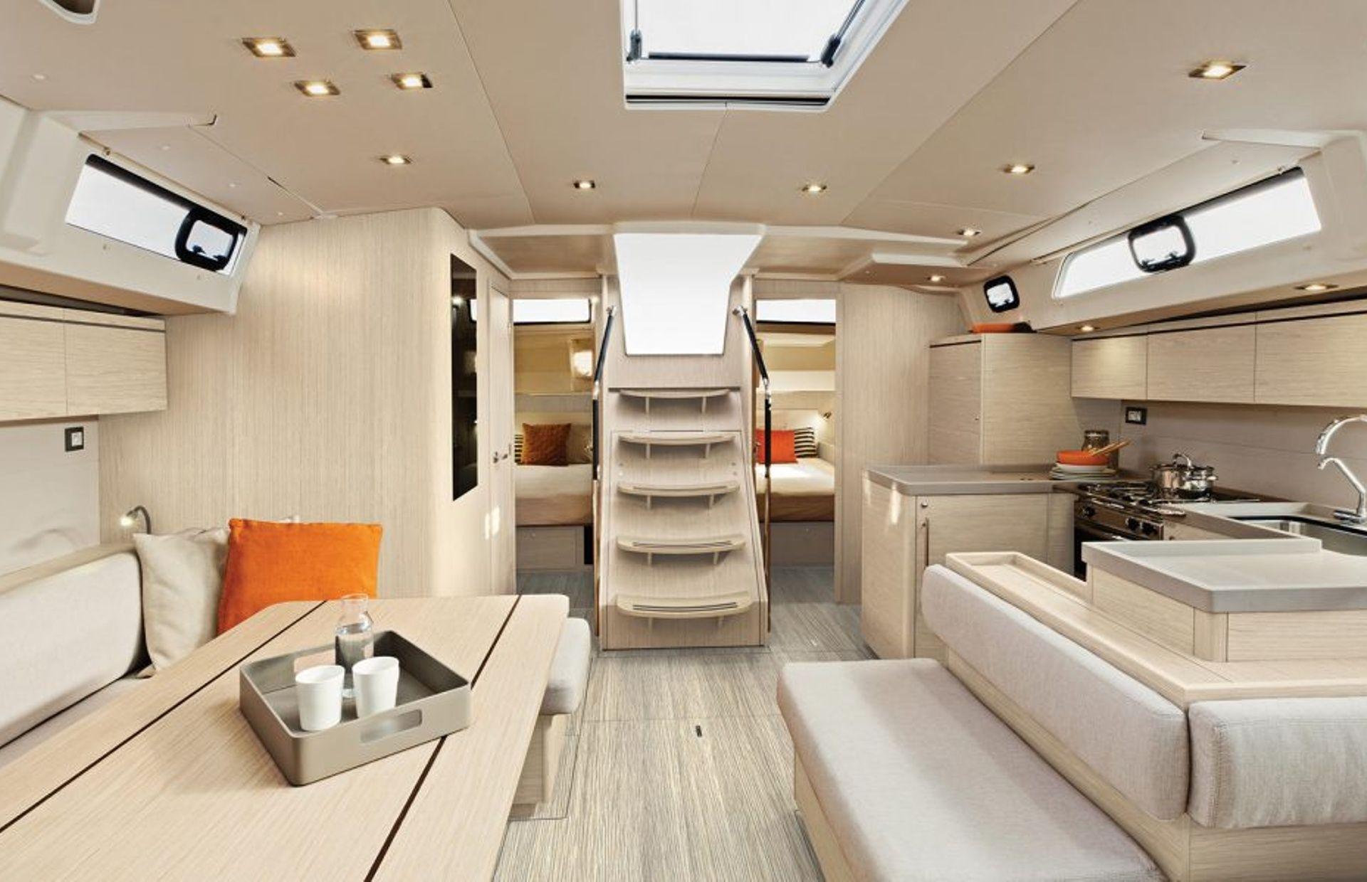 https://media.insailing.com/boat/beneteau-oceanis-51/image_1572277275729.jpg