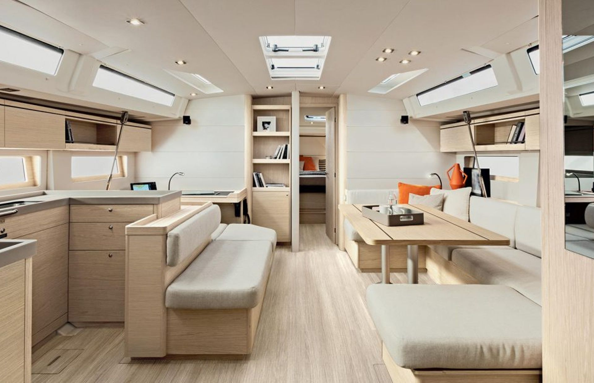 https://media.insailing.com/boat/beneteau-oceanis-51/image_1572277275731.jpg
