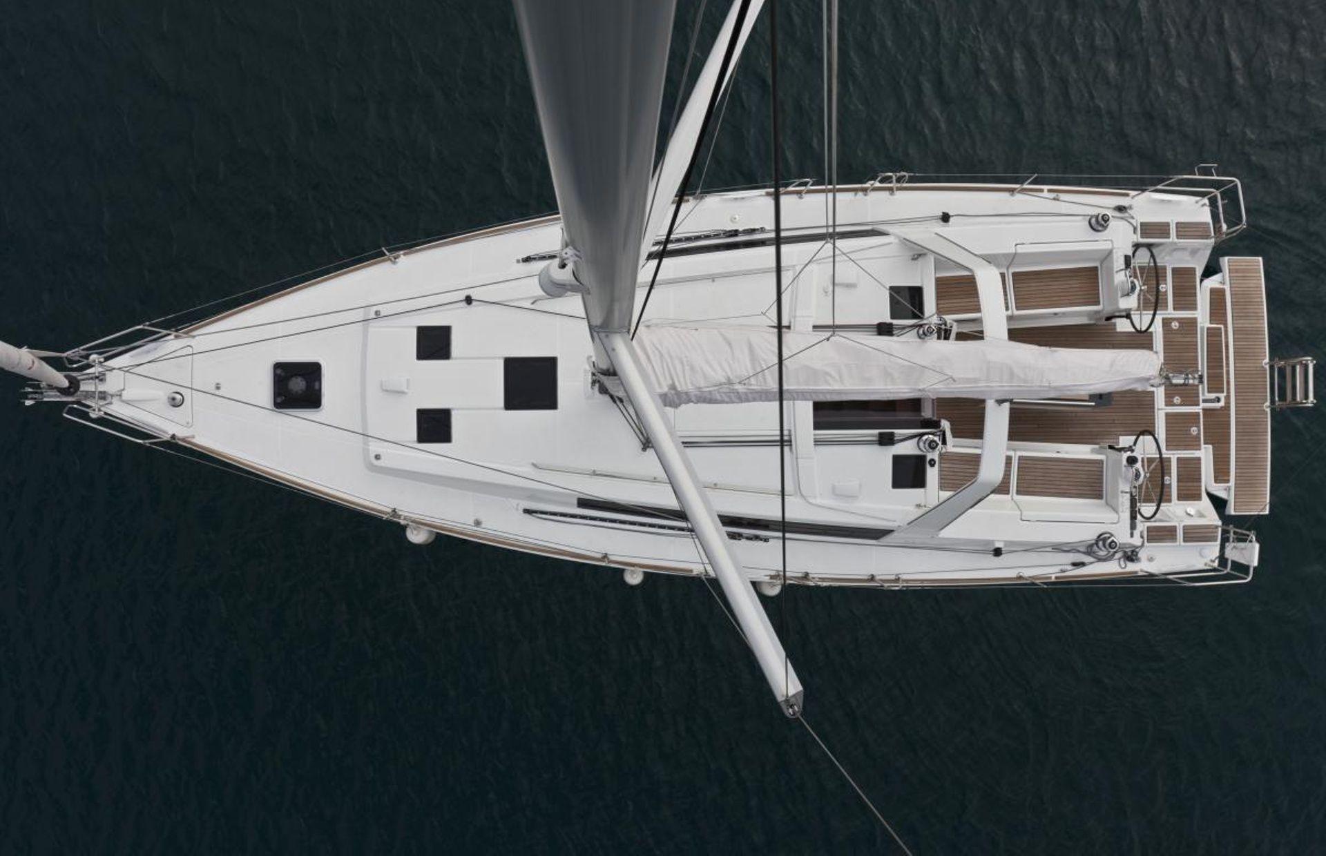 https://media.insailing.com/boat/beno-41/image_1591289059375.jpg