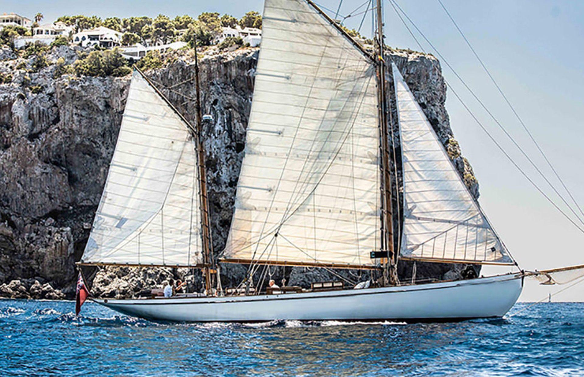 https://media.insailing.com/boat/classic-yacht/image_1579253797592.jpg