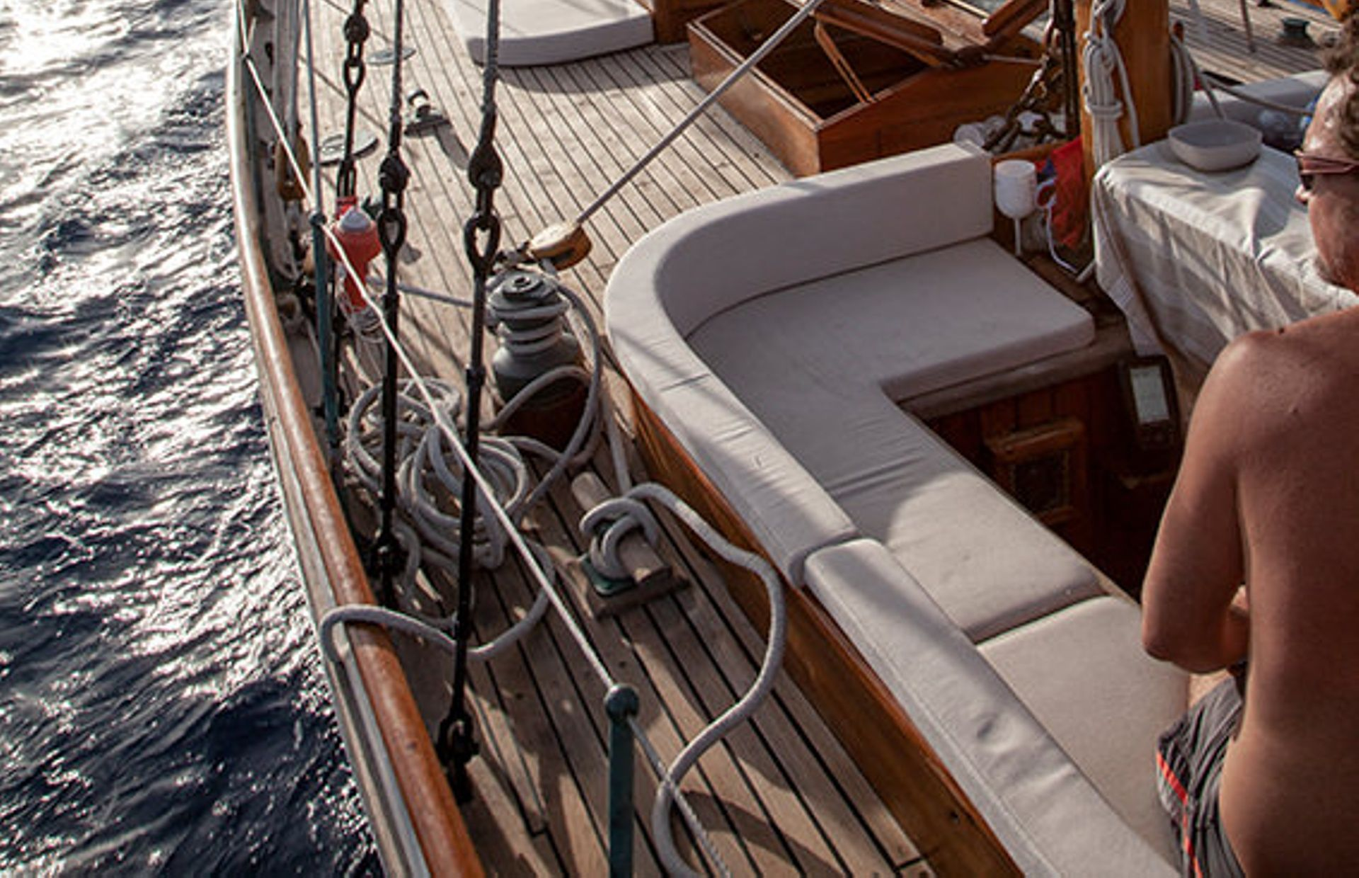 https://media.insailing.com/boat/classic-yacht/image_1579253797595.jpg