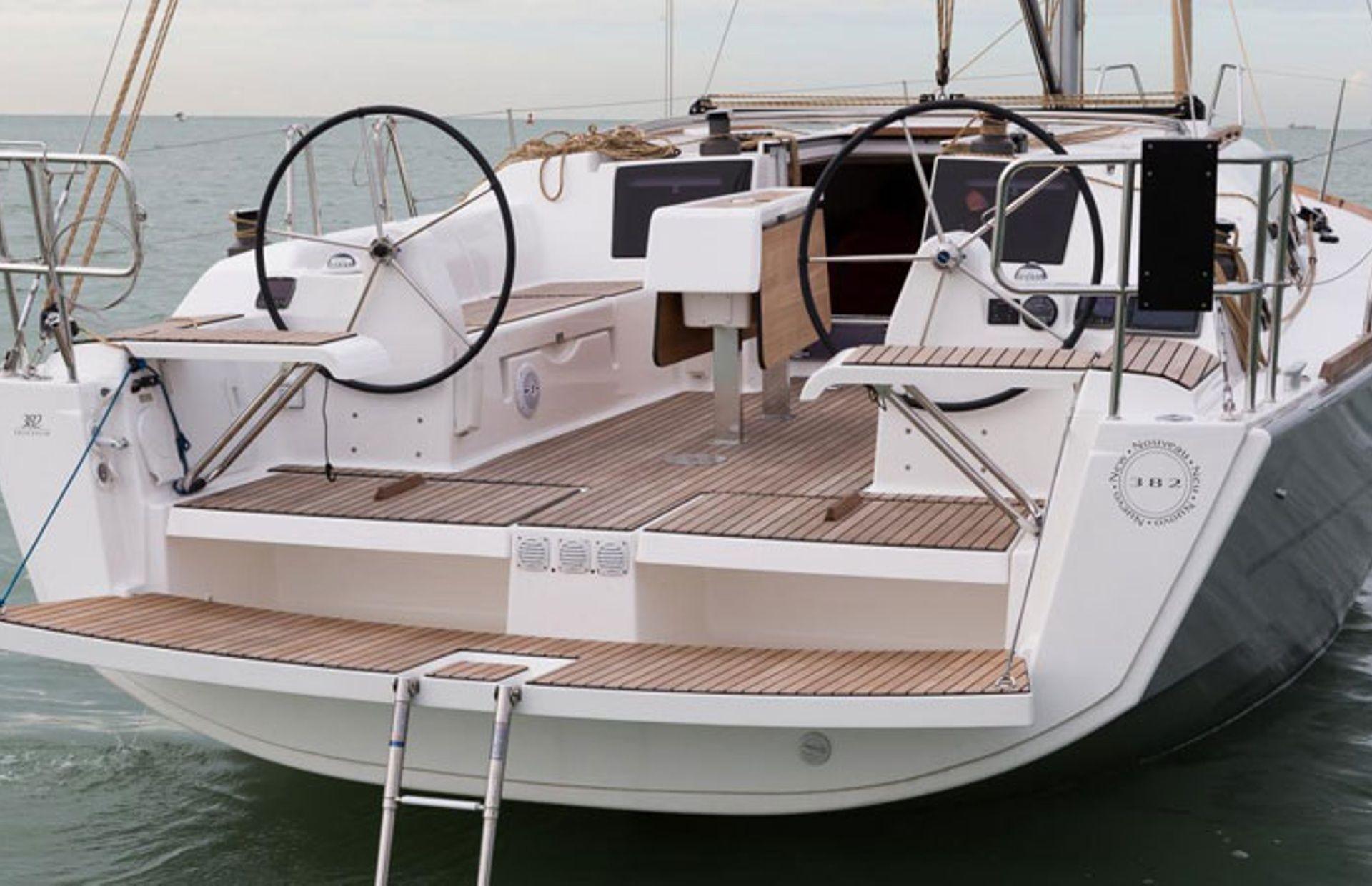 https://media.insailing.com/boat/dufour-382-gl/image_1583773218927.jpg