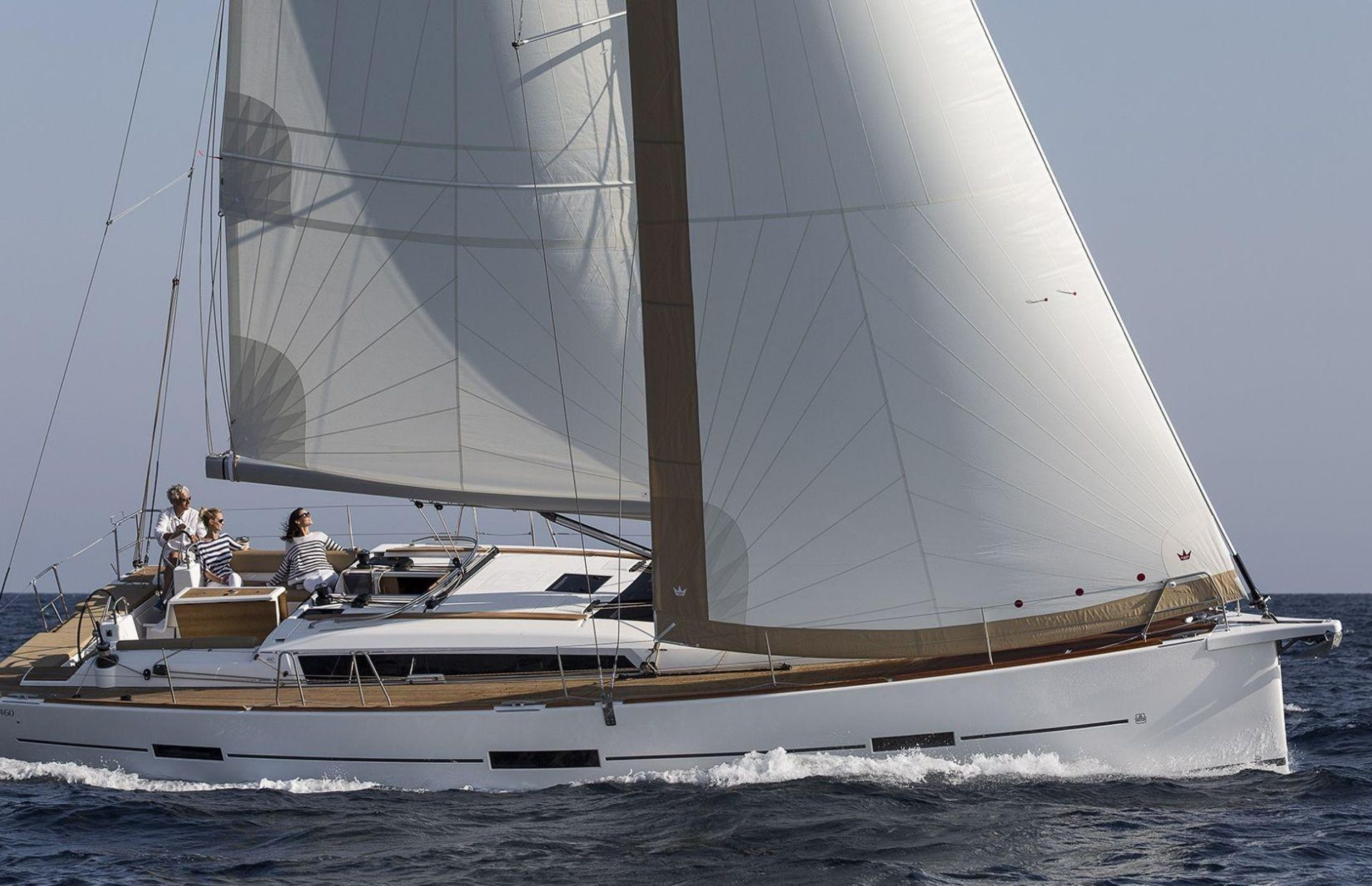 https://media.insailing.com/boat/dufour-451/image_1566327552486.jpg