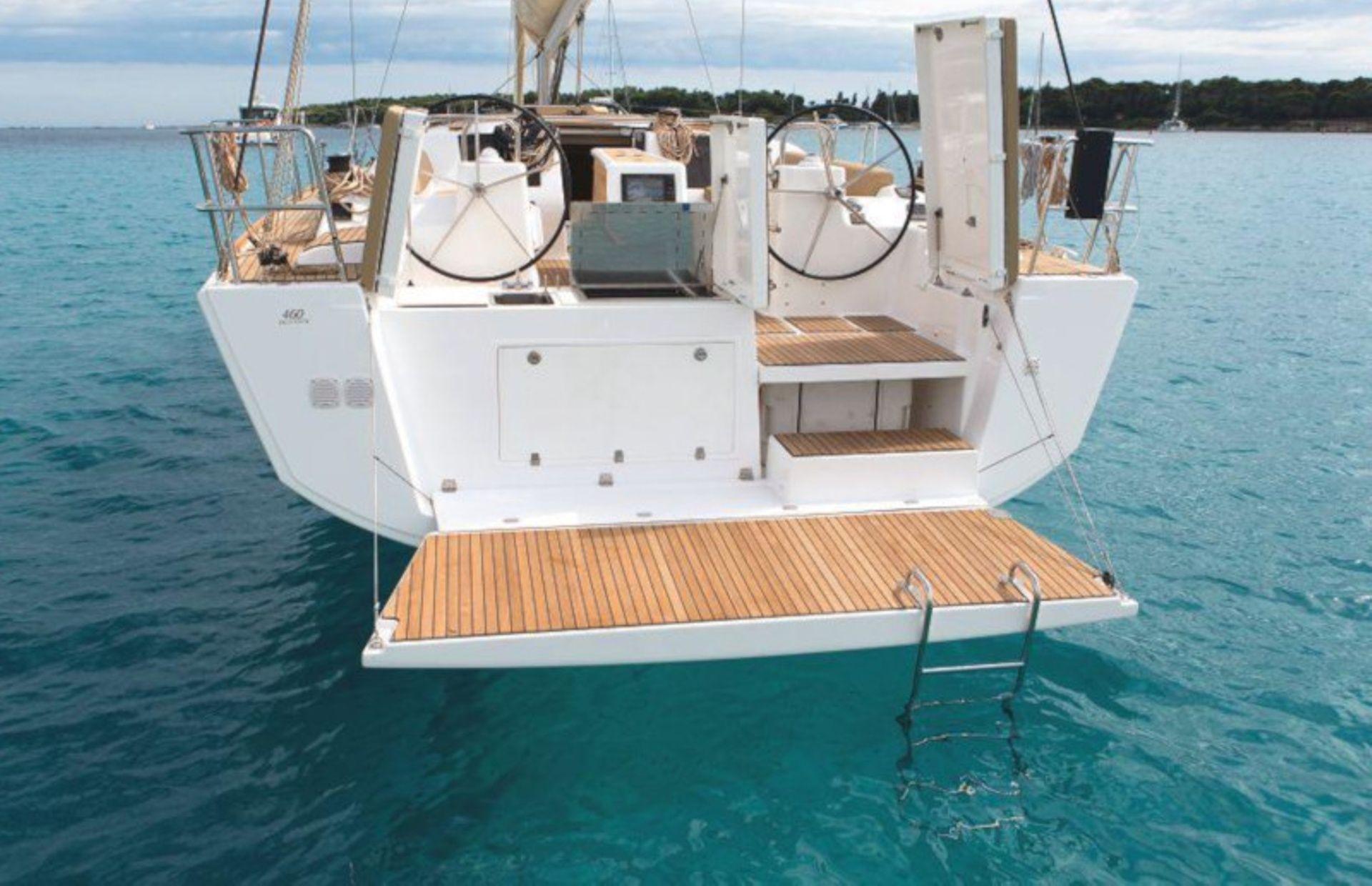 https://media.insailing.com/boat/dufour-451/image_1566327552490.jpg