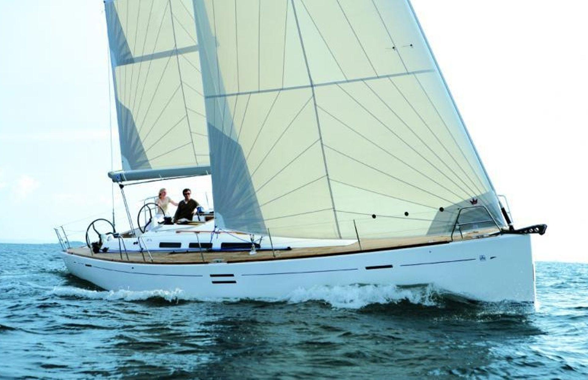 https://media.insailing.com/boat/dufour-452/image_1567179857339.jpg