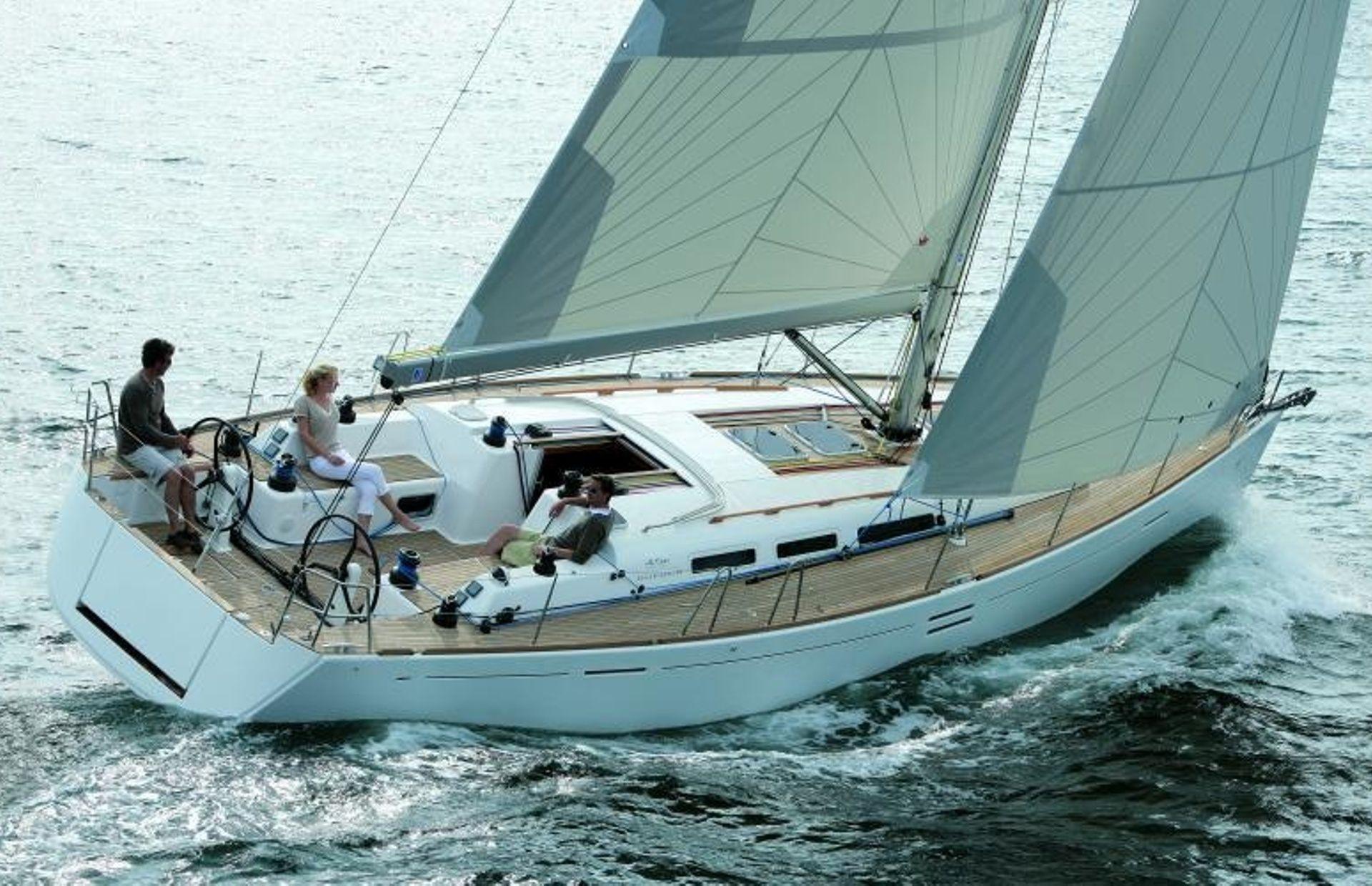 https://media.insailing.com/boat/dufour-452/image_1567179857340.jpg