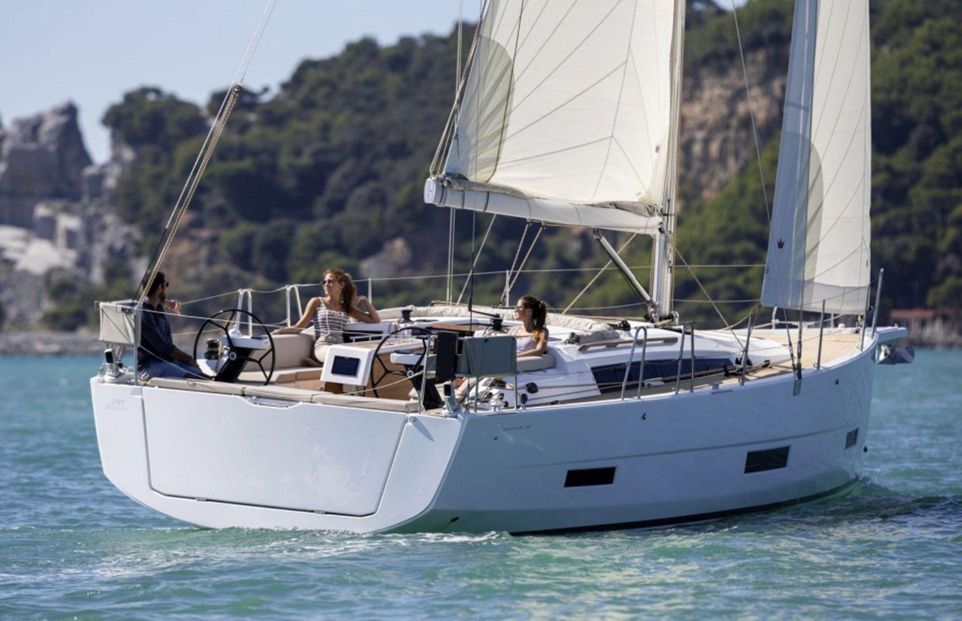 https://media.insailing.com/boat/dufour-453/image_1567594505089.jpg