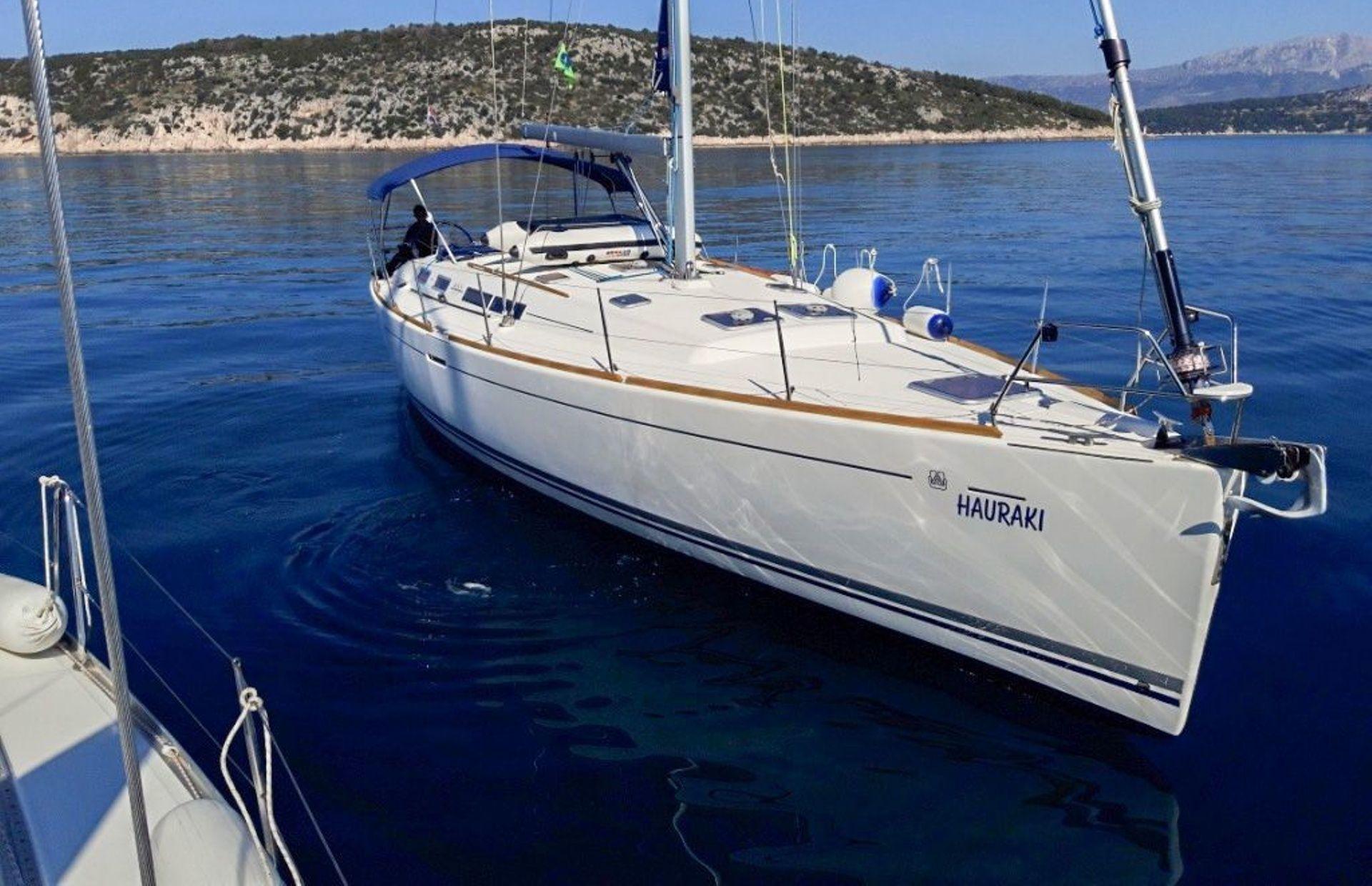 https://media.insailing.com/boat/dufour-455/image_1576069514167.jpg