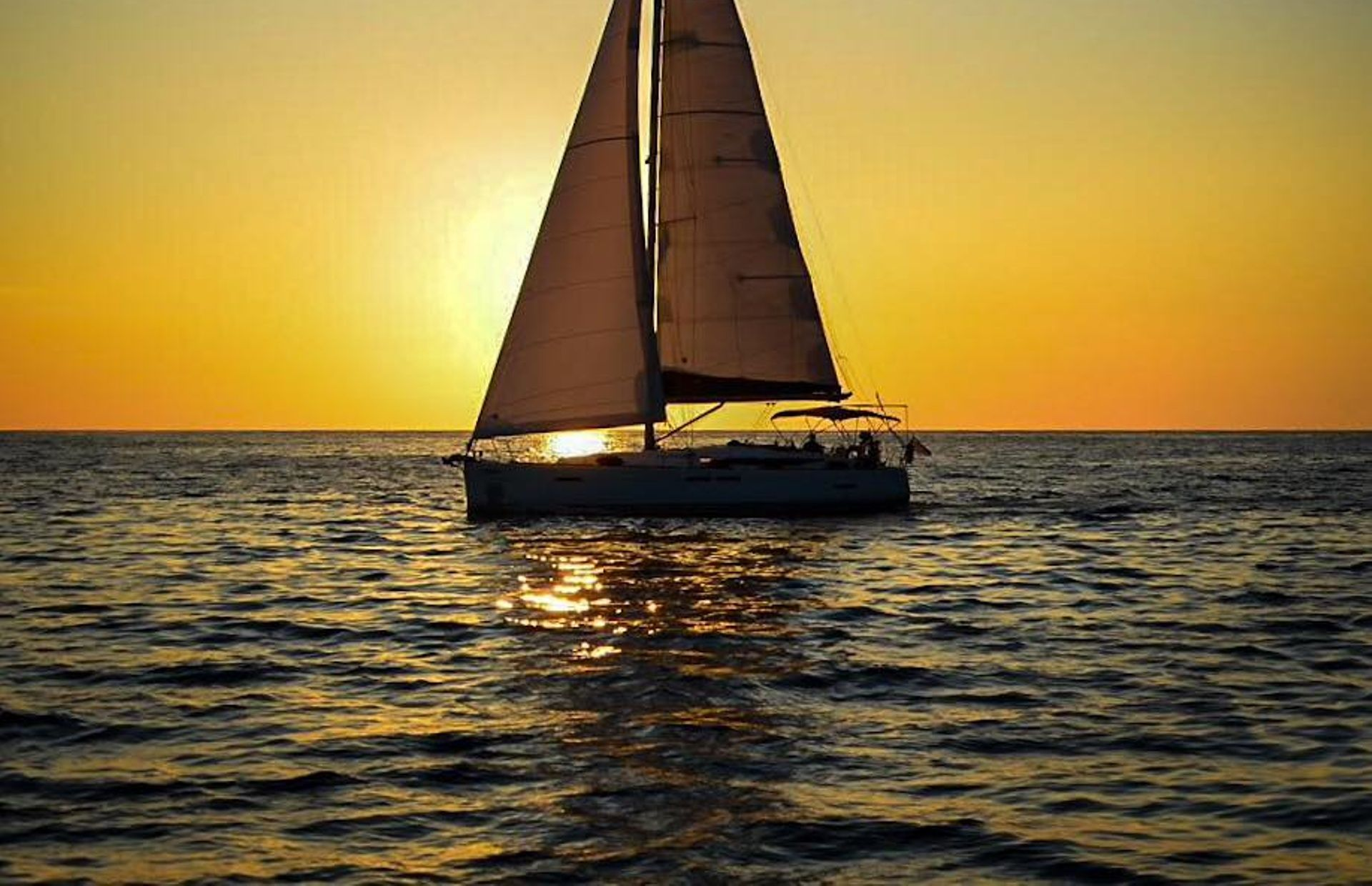 https://media.insailing.com/boat/dufour-45e-perfomance/image_1580981679983.jpg
