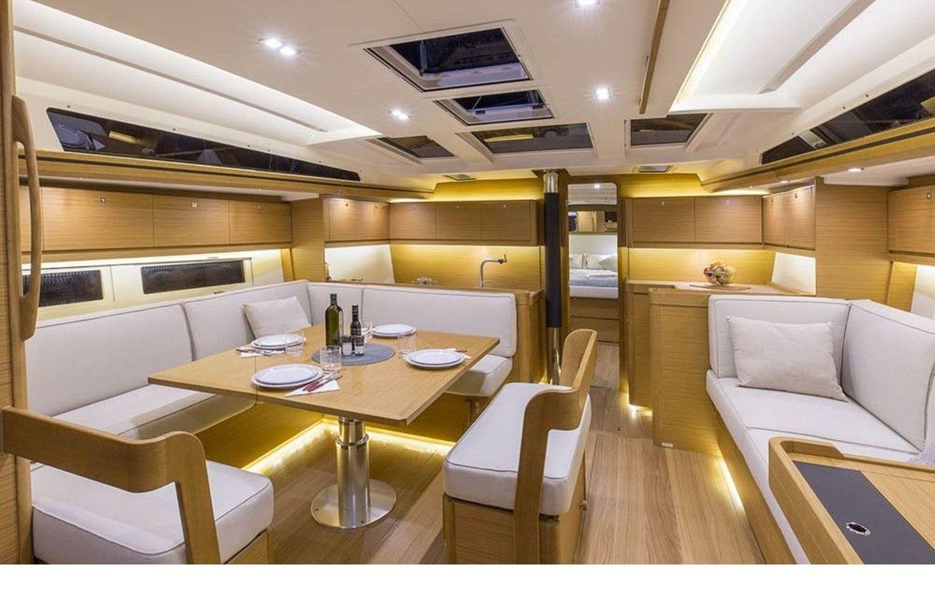 https://media.insailing.com/boat/dufour-520/image_1571034847425.jpg