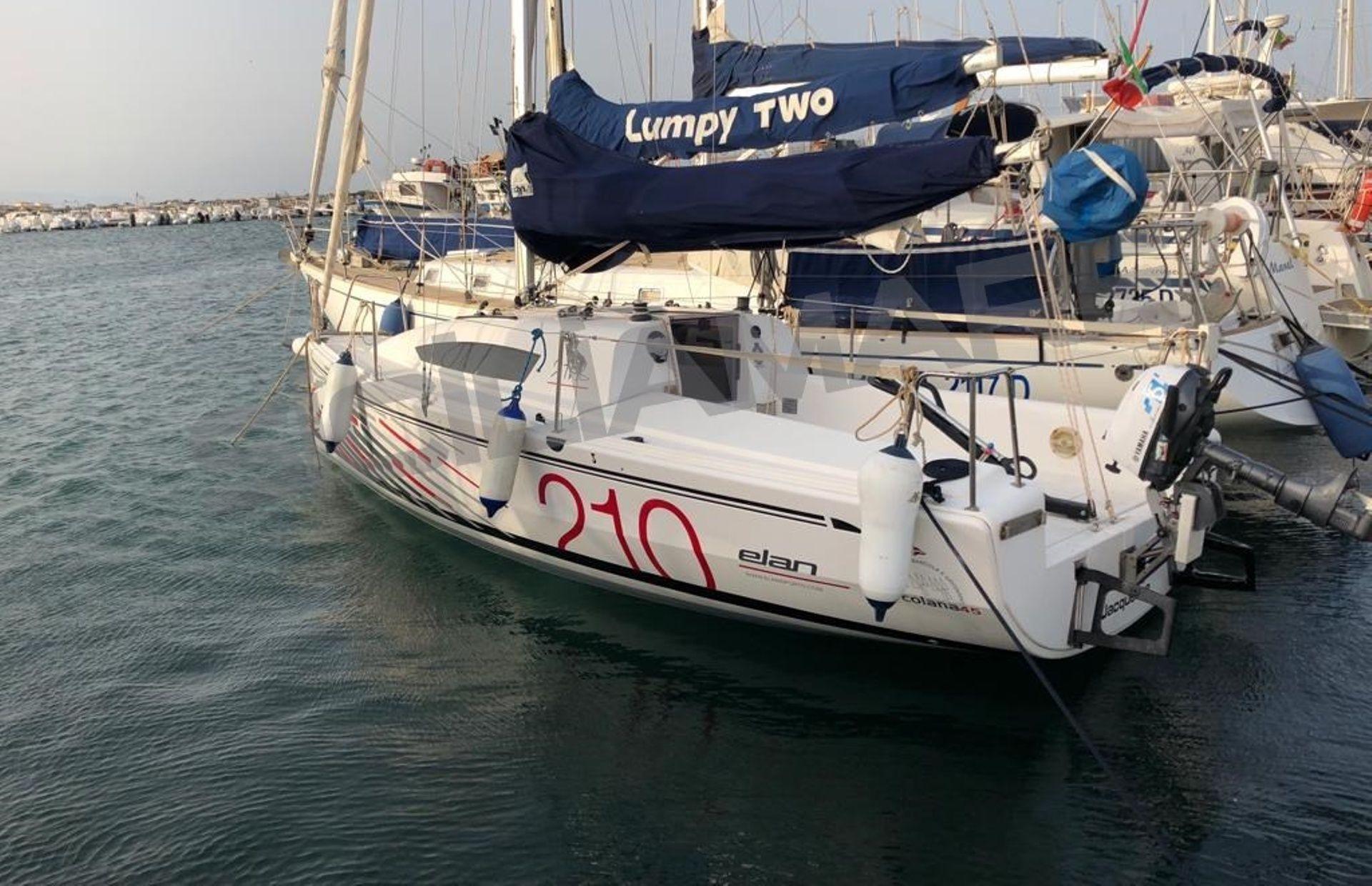 https://media.insailing.com/boat/elan-210/image_1589275076013.jpg