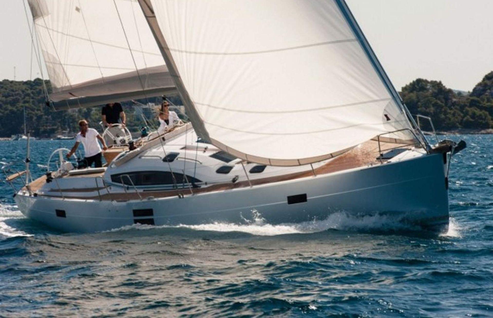 https://media.insailing.com/boat/elan-50/image_1575012186788.jpg