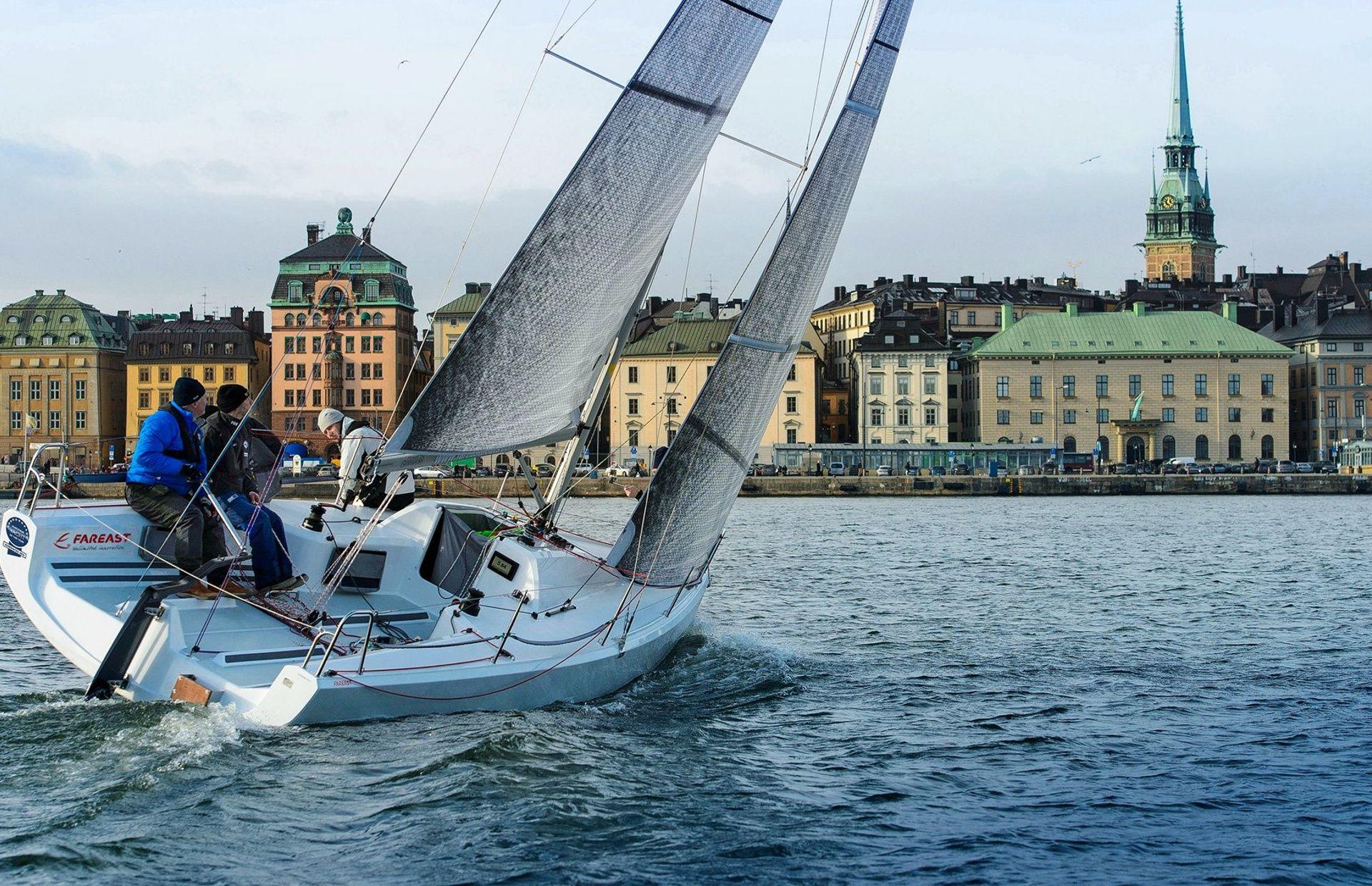 https://media.insailing.com/boat/fareast-2/image_1569954090528.jpg
