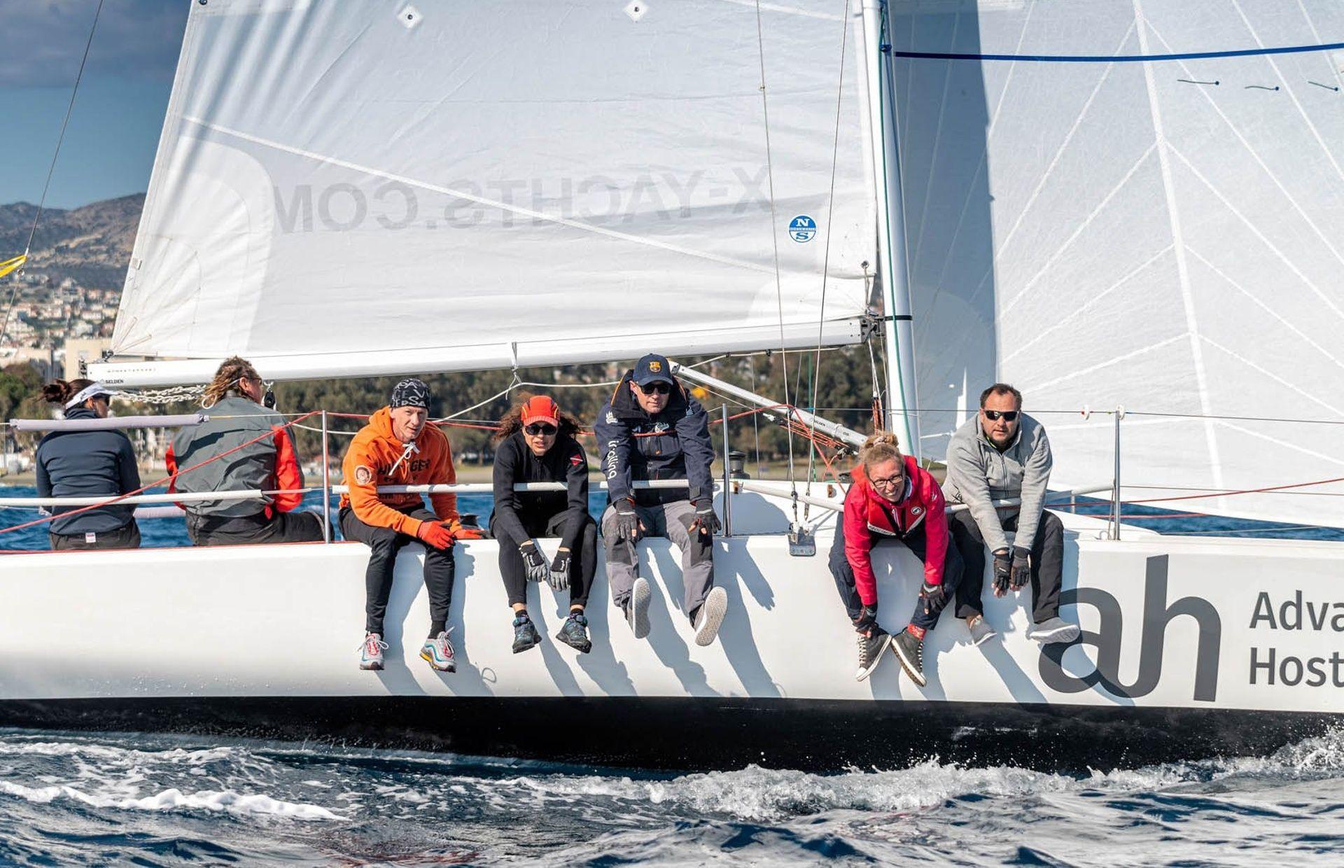 https://media.insailing.com/boat/fareast-28r-2/image_1581370452578.jpg