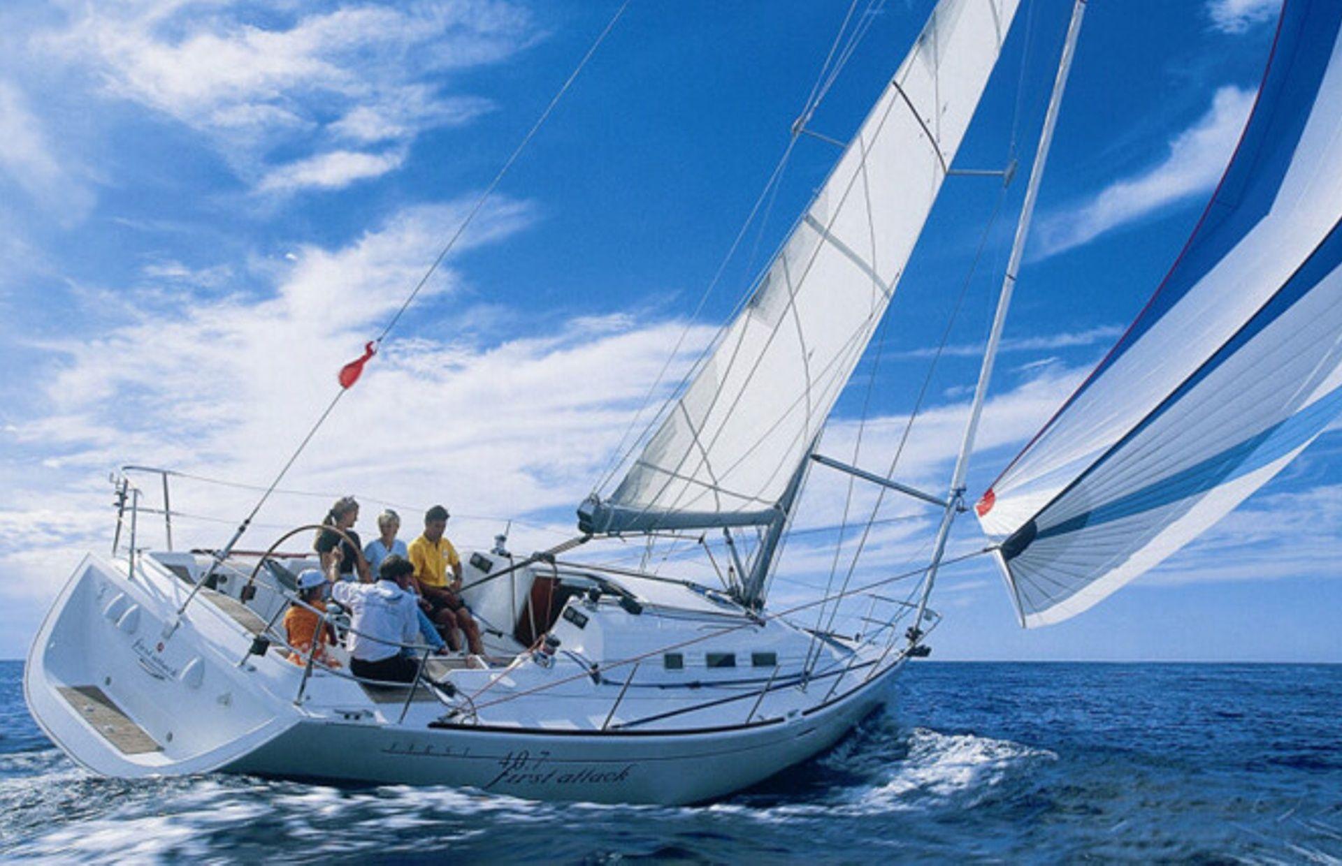https://media.insailing.com/boat/first-36/image_1571153175871.jpg
