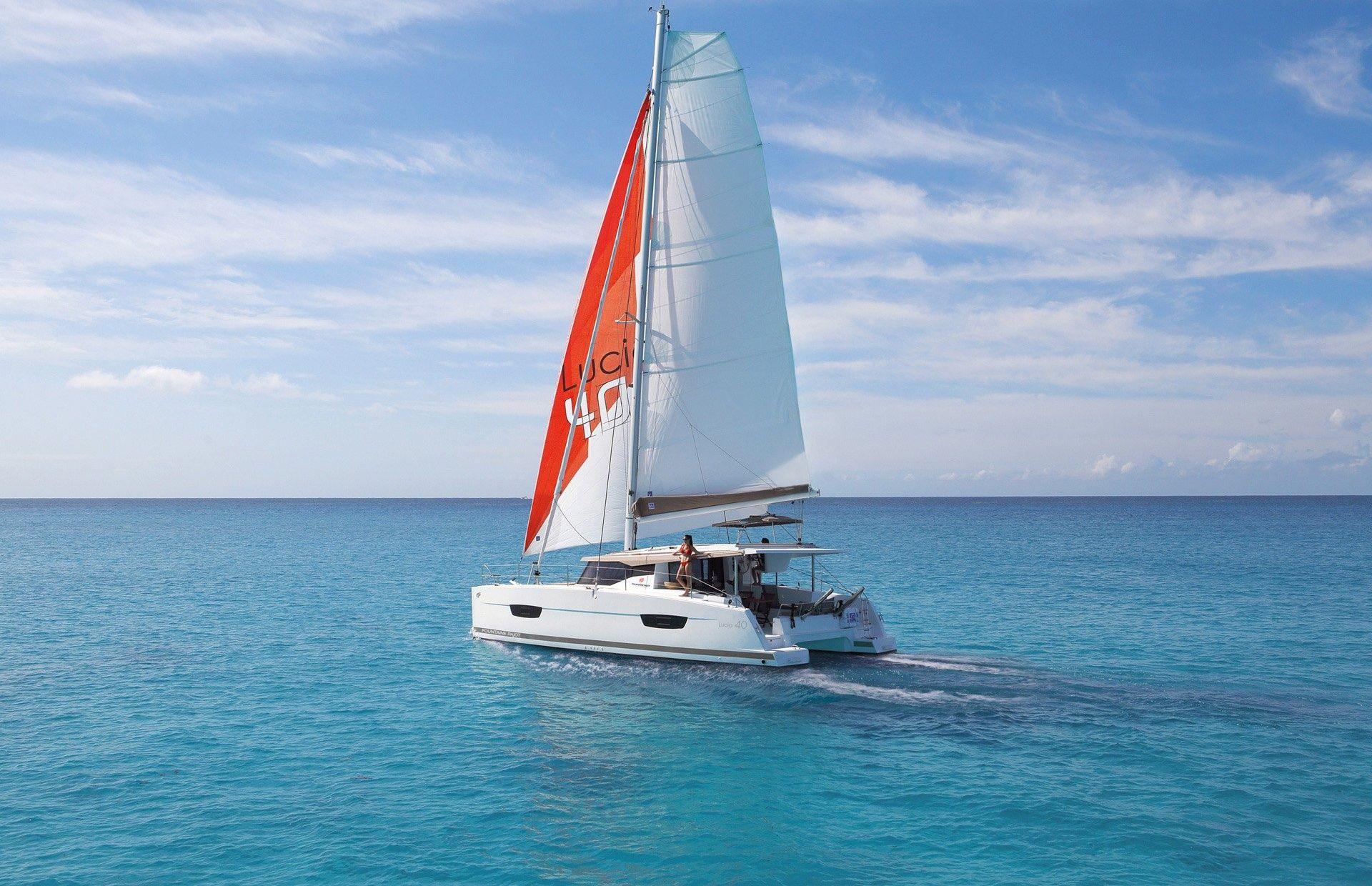 https://media.insailing.com/boat/fountaine-pajot-lucia-40/image_1572354576890.jpg