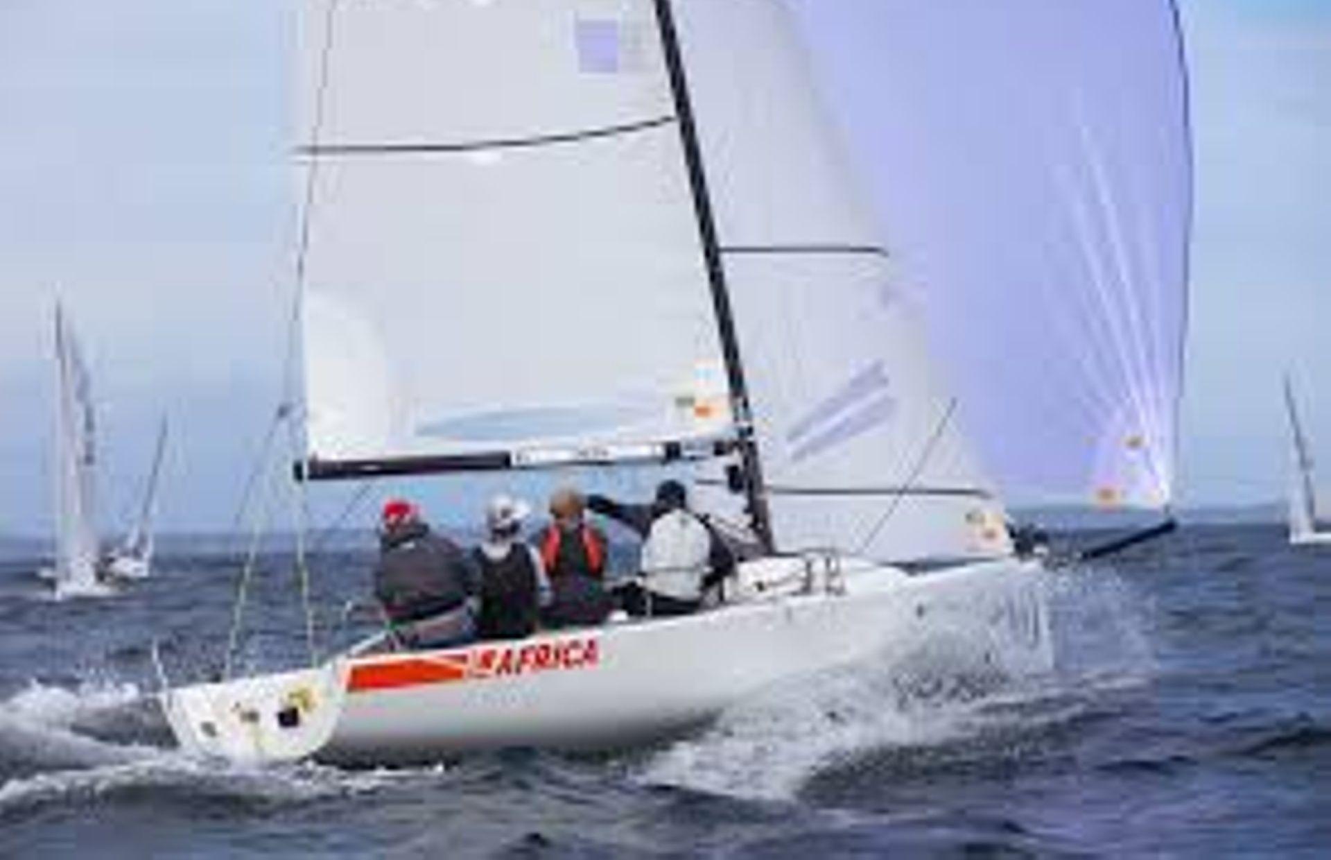 https://media.insailing.com/boat/j70-2/image_1590498386591.jpg