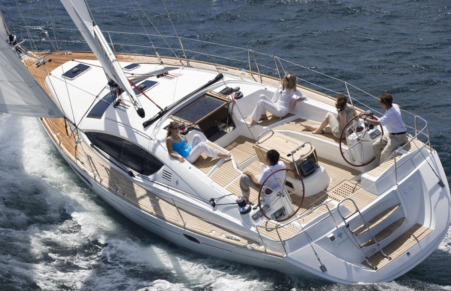 https://media.insailing.com/boat/jeannau-40.3/image_1570605917293.jpg