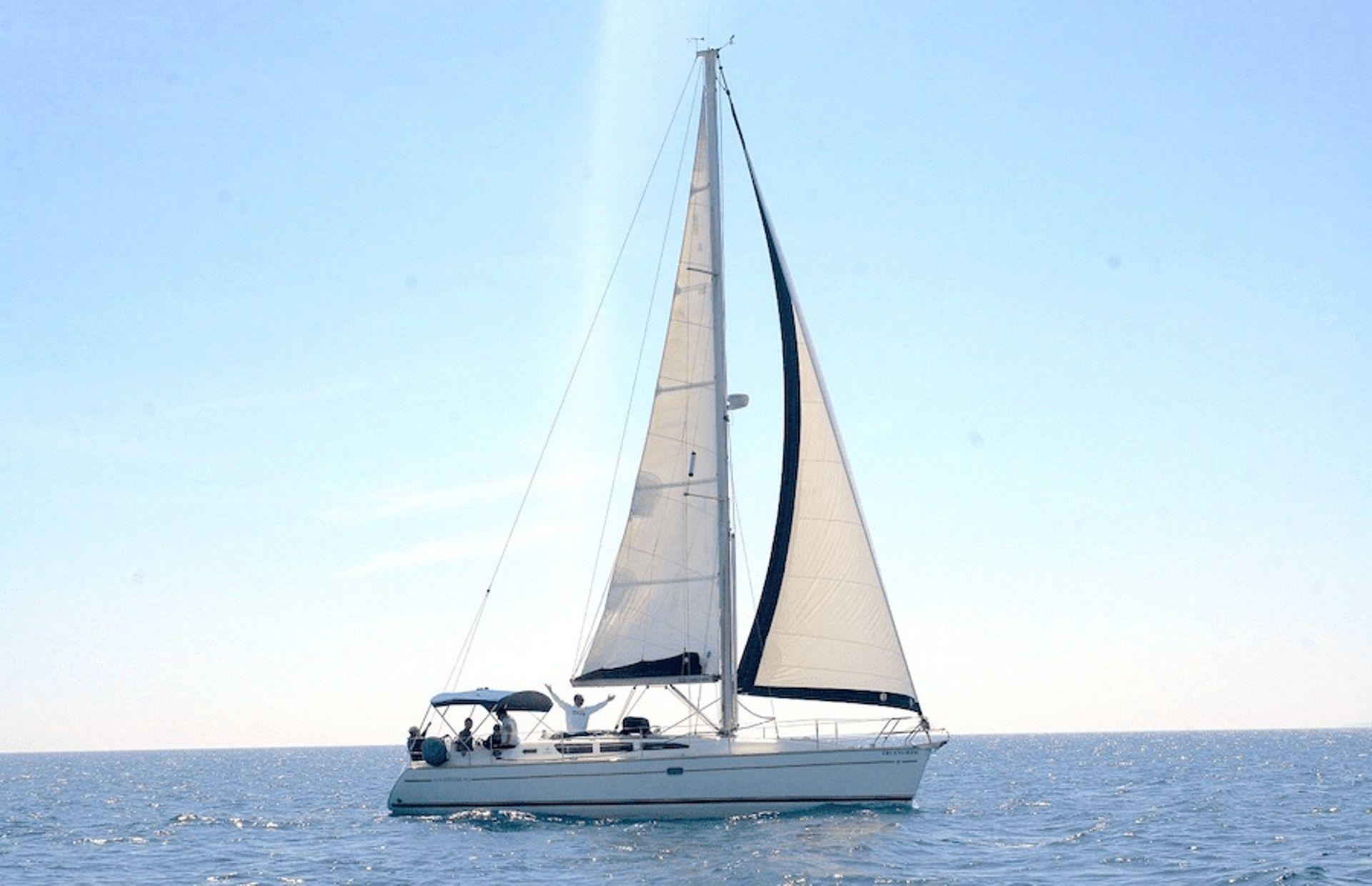 https://media.insailing.com/boat/jeannau-40.3/image_1570605917294.jpg