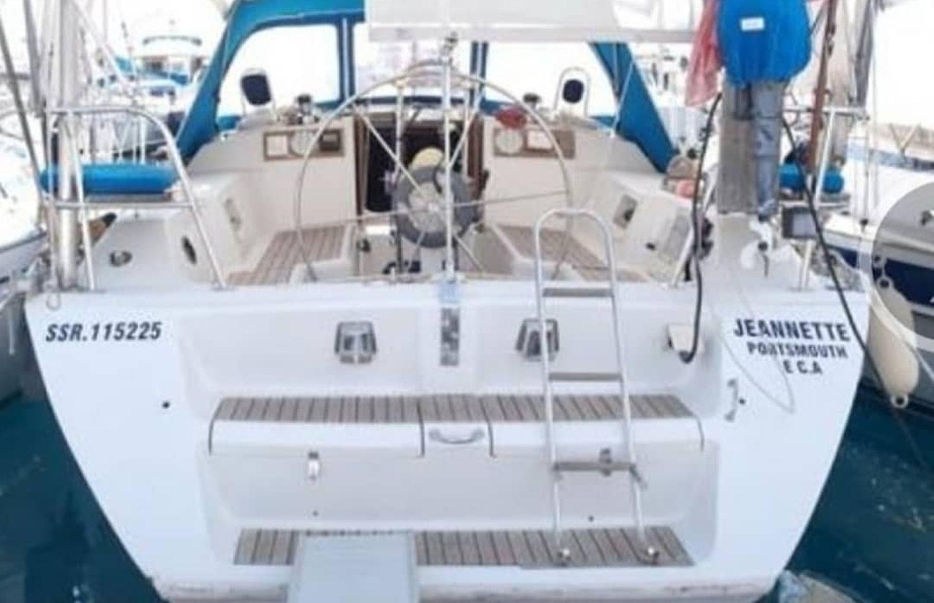 https://media.insailing.com/boat/jeanneau-voyage-41/image_1570689882091.jpg