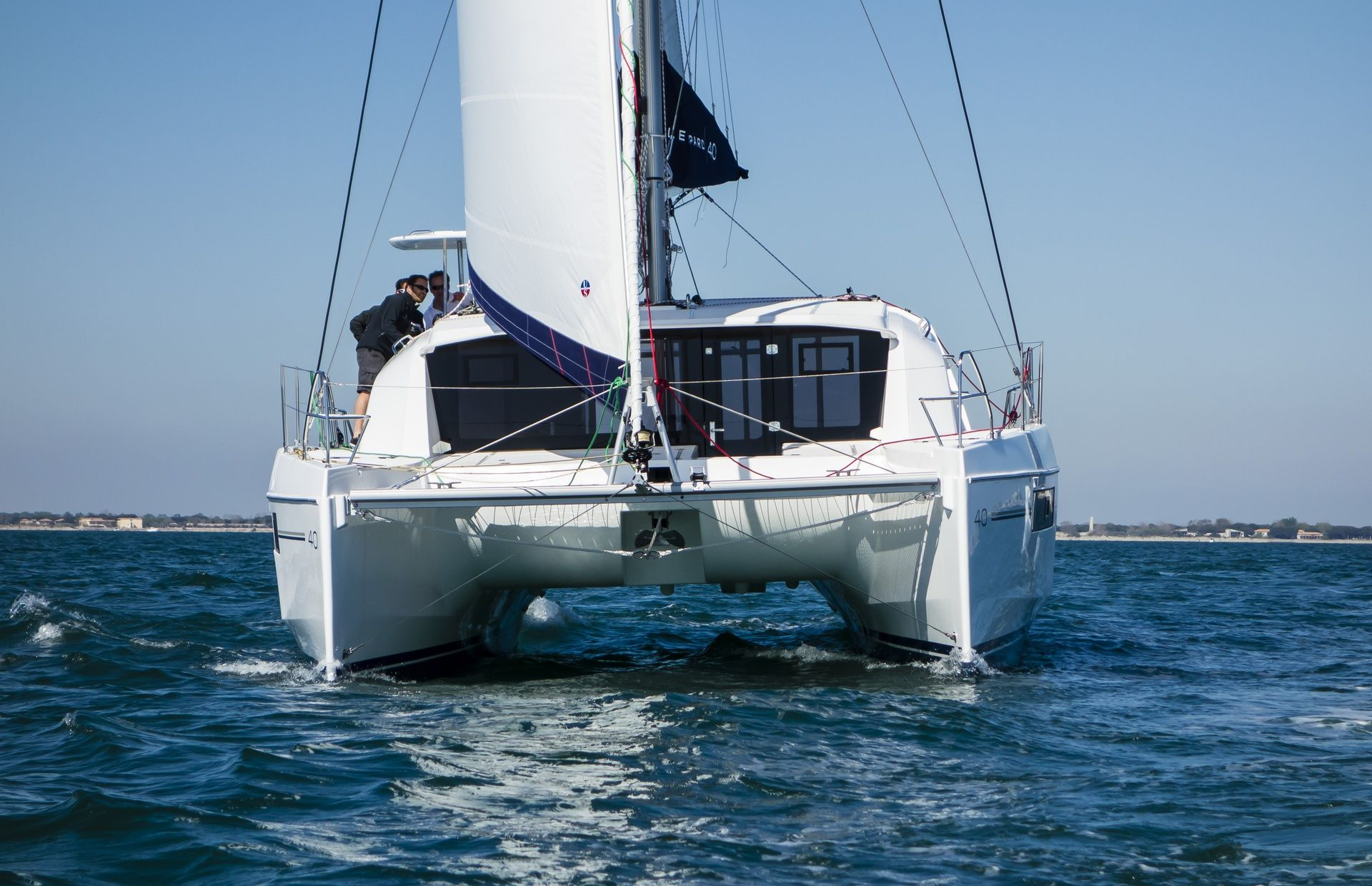 https://media.insailing.com/boat/katamaran-3/image_1589271776131.jpg