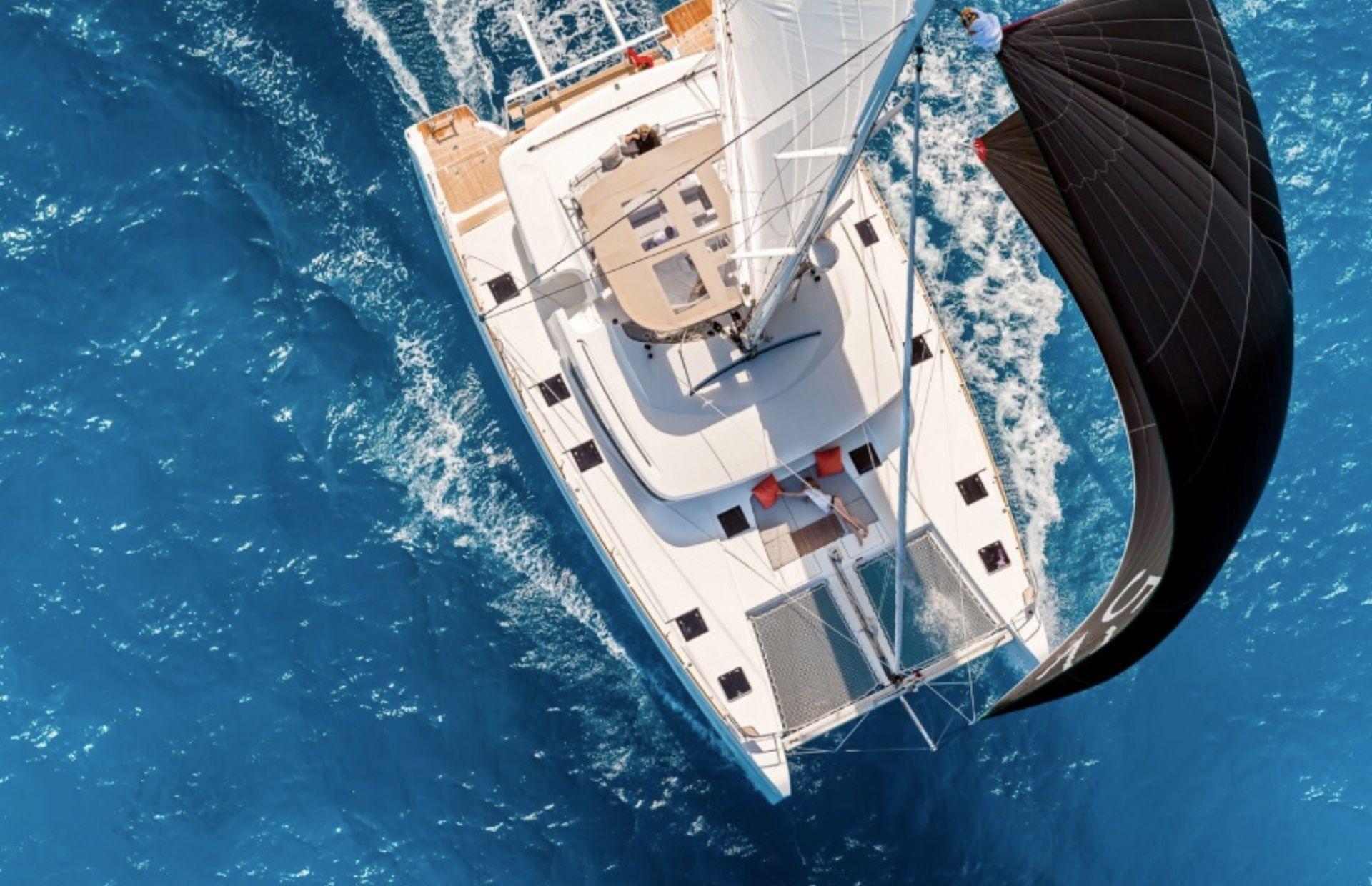 https://media.insailing.com/boat/katamaran/image_1565343408506.jpg