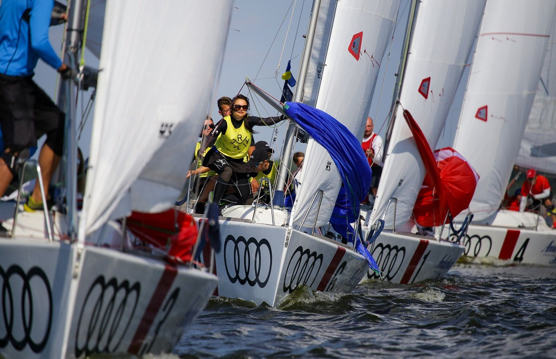 https://media.insailing.com/boat/kyiv-racing-yacht-club/image_1590221936624.jpg
