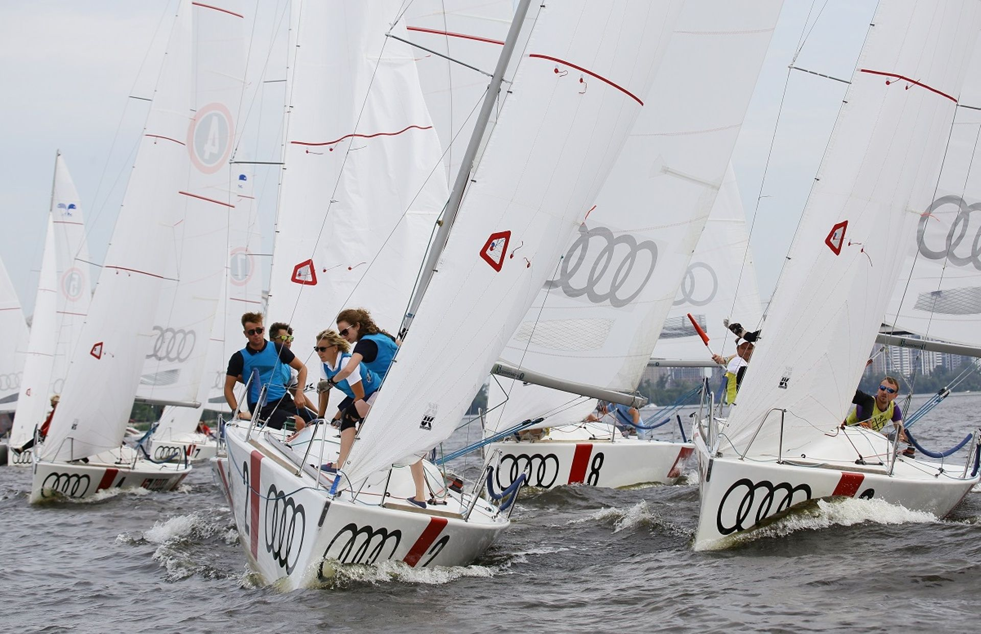 https://media.insailing.com/boat/kyiv-racing-yacht-club/image_1590221936626.jpg